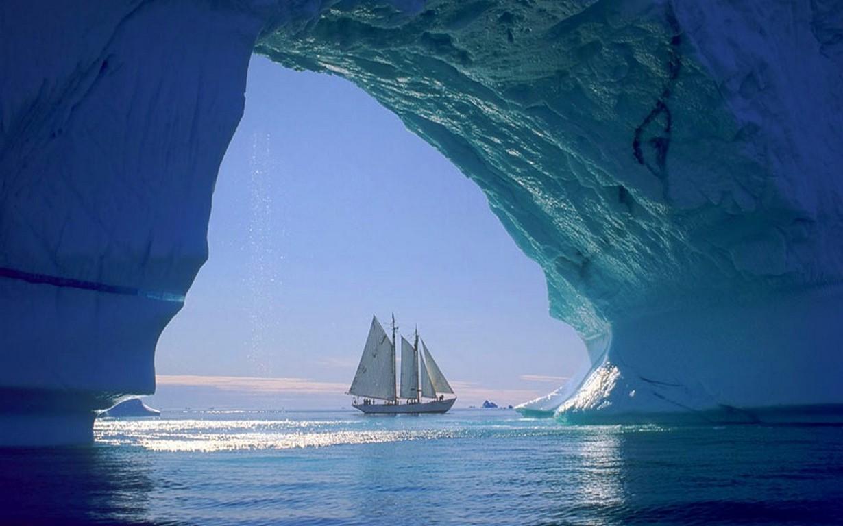 デスクトップ壁紙 : 1230x768 px, 洞窟, コールド, グリーンランド, 氷山, 風景, 自然, ヨット, 海, 日光 1230x768