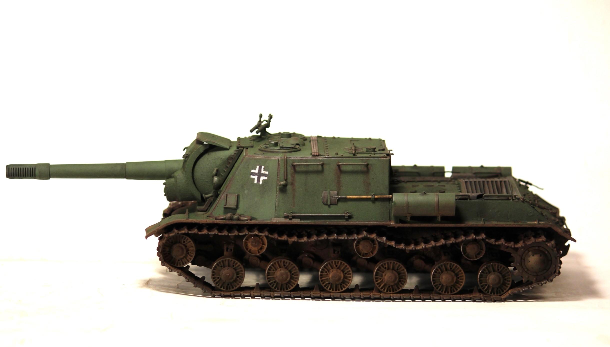 152 2440x1388 px isu tank vehicle