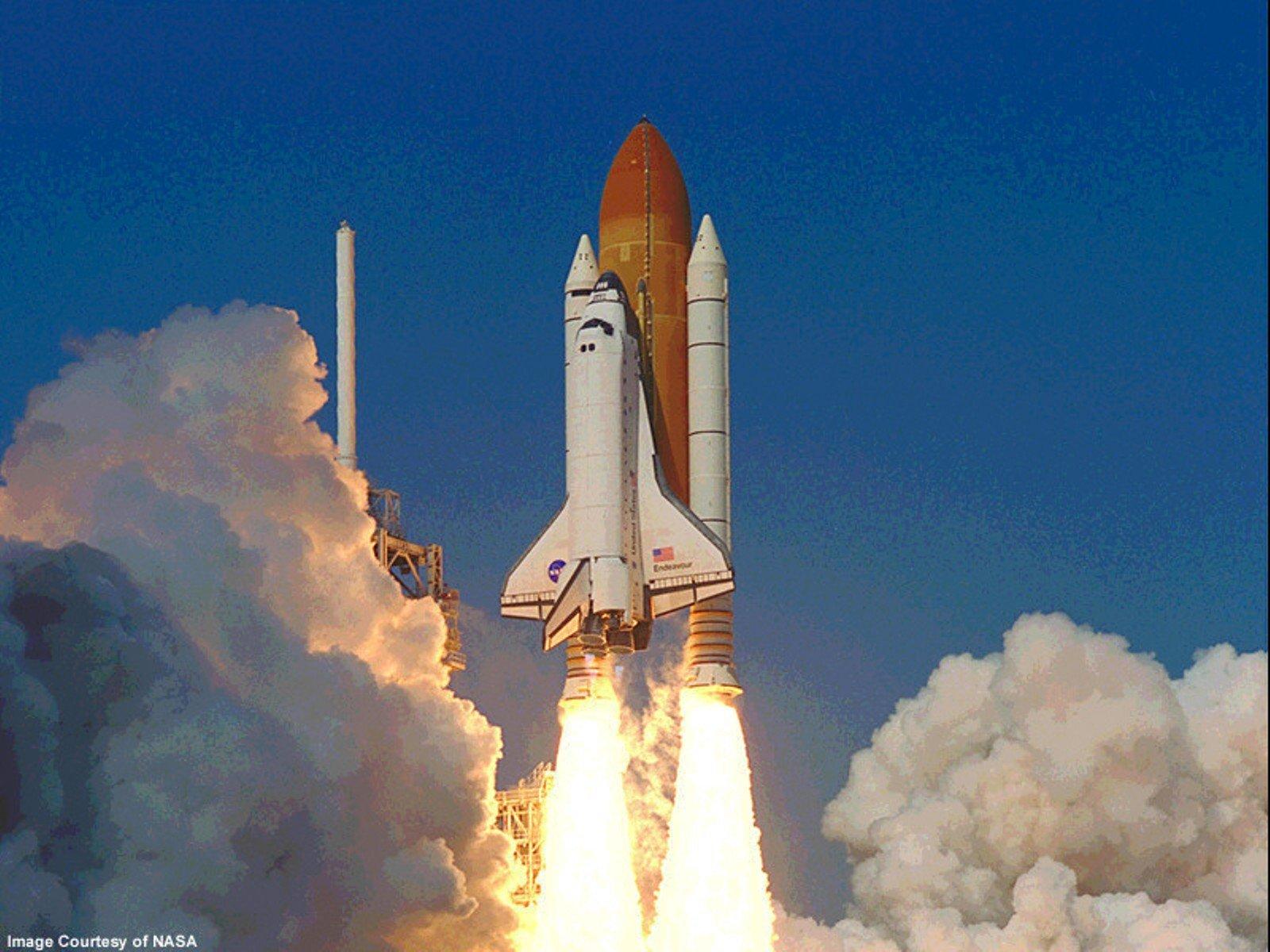 Космическая ракета взлет фото
