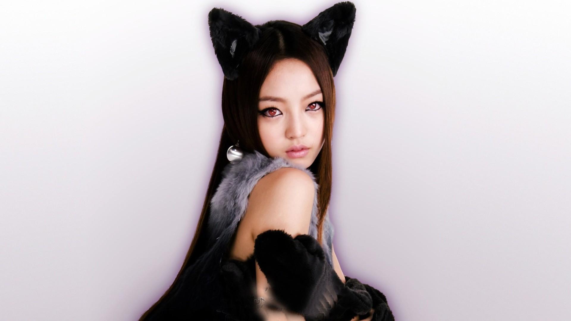 Новые картинки девушек кошек