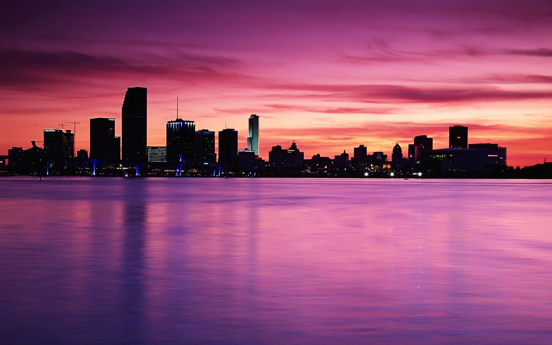 картинки город закат высокое качество выставочном зале