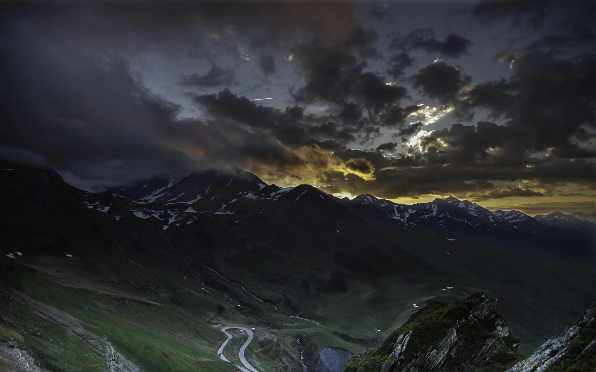 изображение мрачные ночные горы картинки полностью сосредоточилась