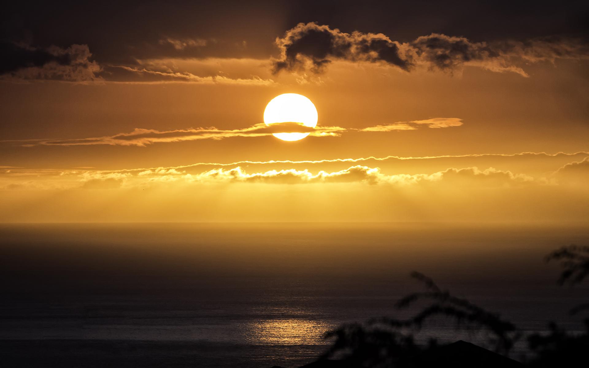 Wallpaper : 1920x1200 Px, Awan-awan, Api, Suasana Hati, Lautan, Refleksi,  Laut, Langit, Matahari, Sinar Matahari, Matahari Terbenam 1920x1200 -  Wallhaven - 1716705 - HD Wallpapers - WallHere