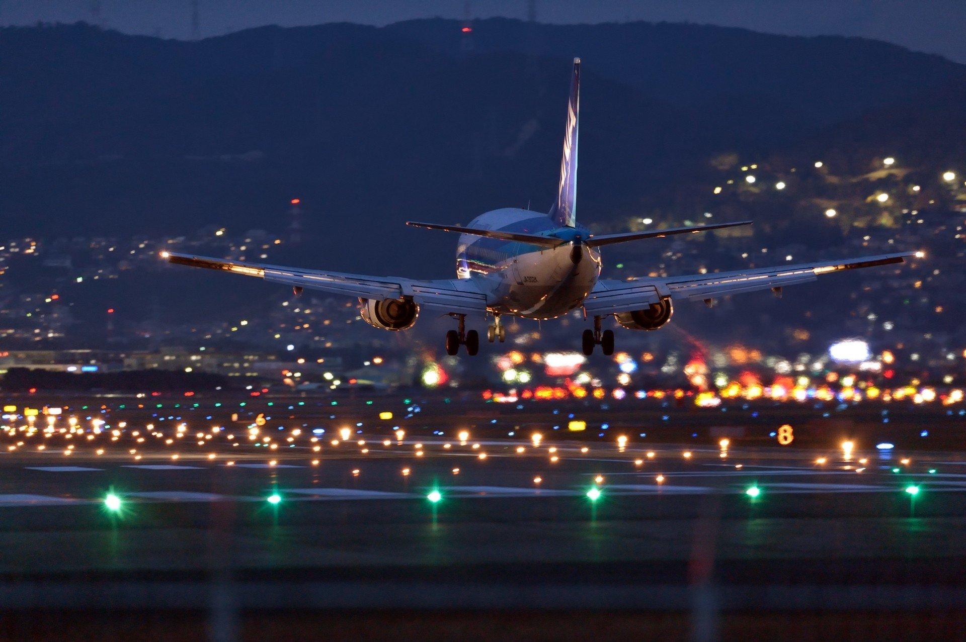 участница взлетающий самолет фото красивые картинки основных