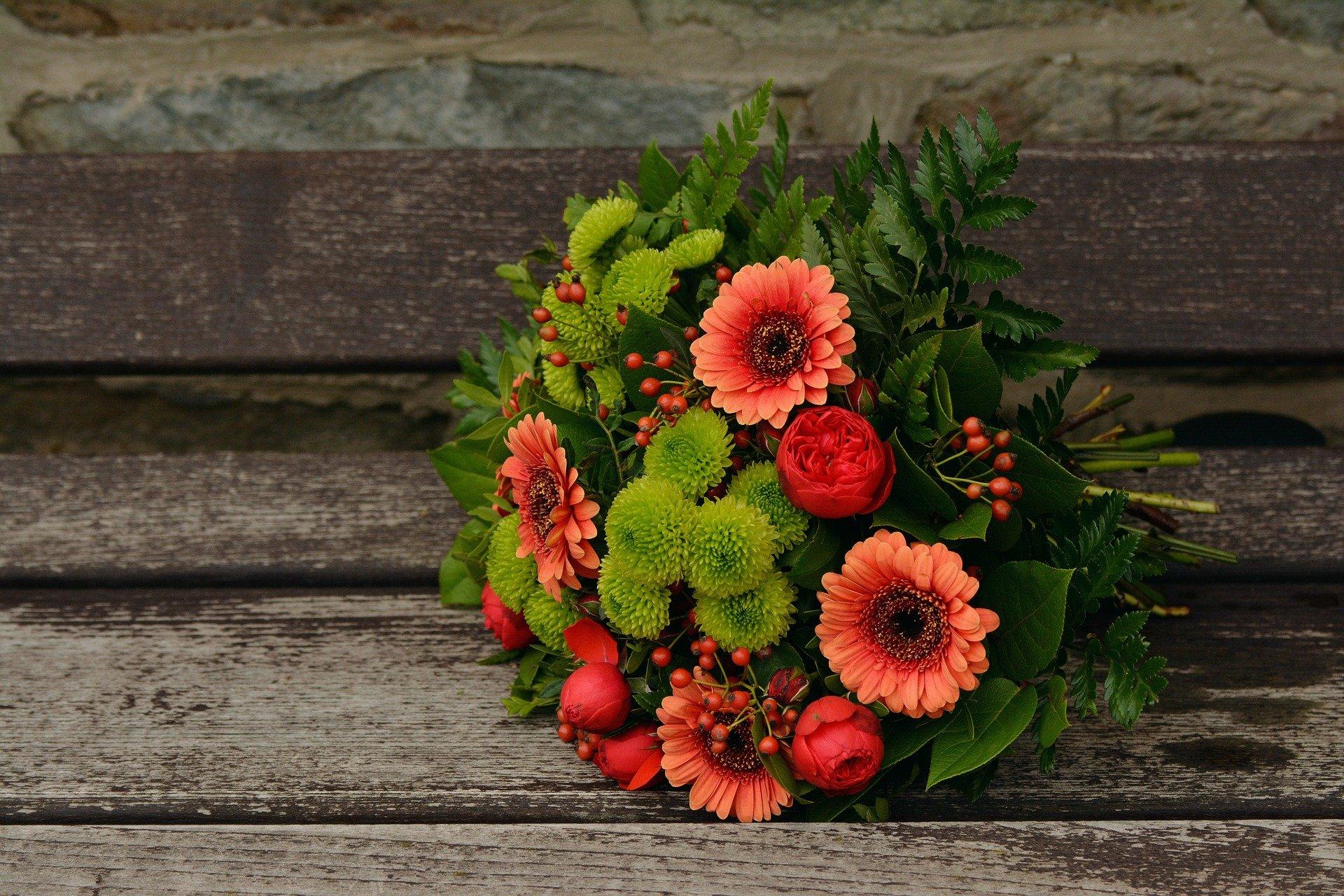 Fond D Ecran 1920x1280 Px Bouquet Fleurs Gerbera Feuilles