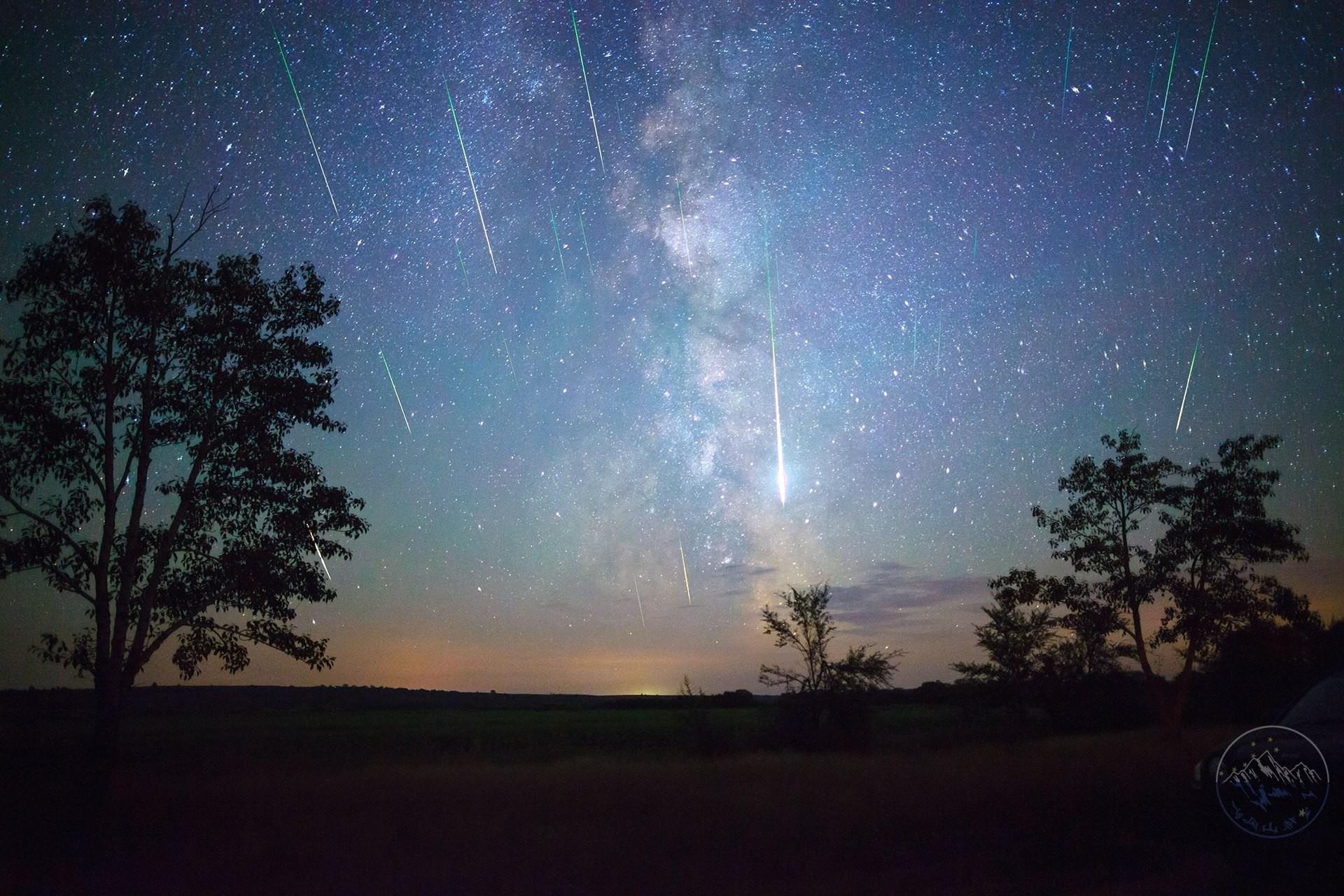 главное это красивое фото звездопада утро этот экскаватор