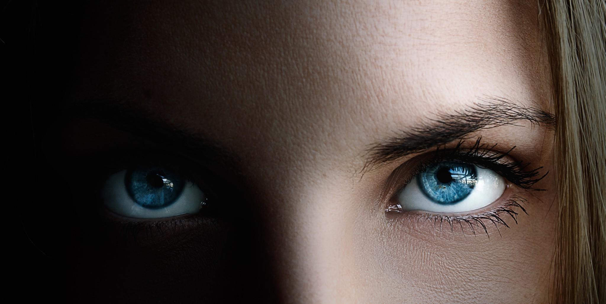 Картинка глаза крупный план