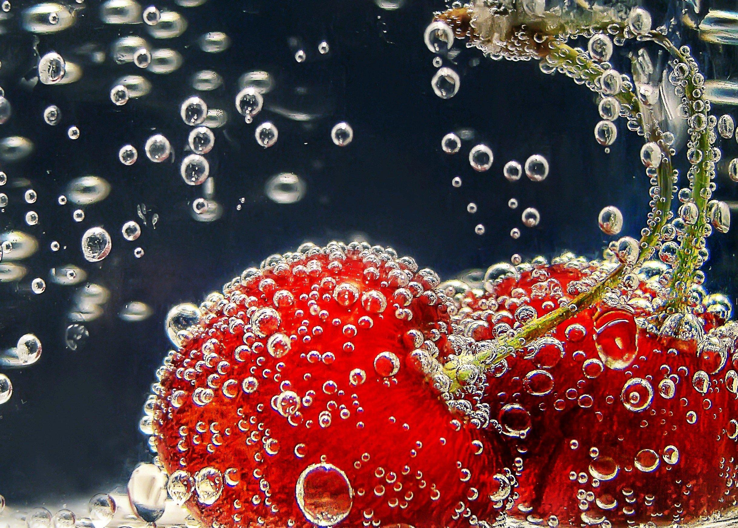 2437x1743 px bokeh bubbles cherries cherry fruit underwater 1714655