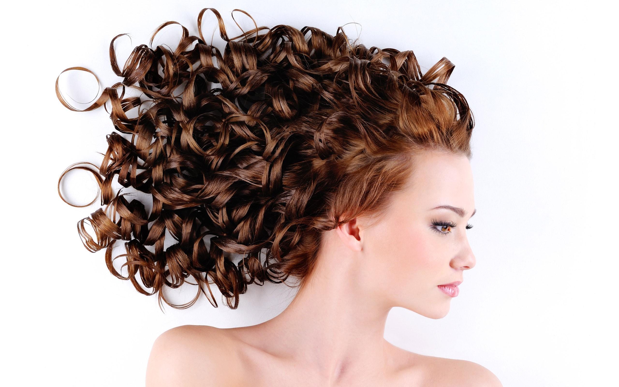 Прически на бигуди на длинные волосы фото
