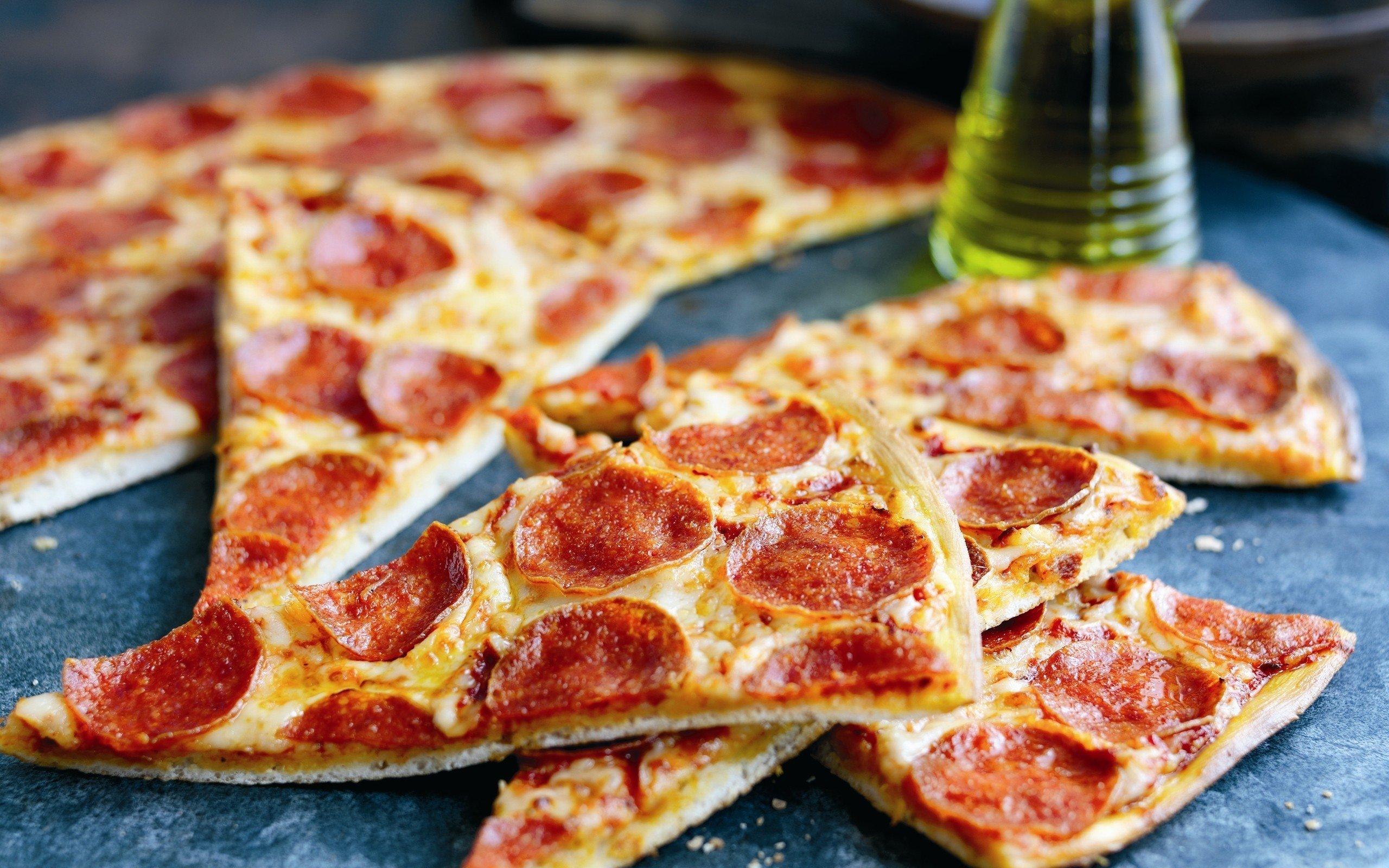 2560x1600 px món ăn pizza xúc xích Ý