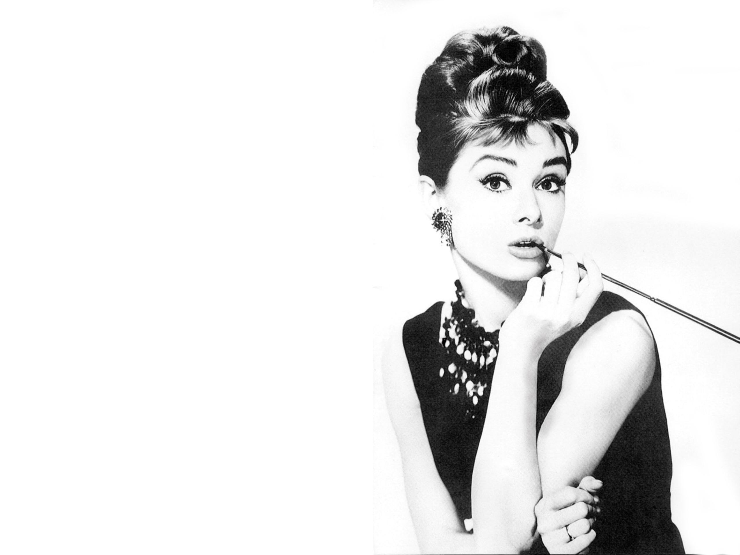 Fondos De Pantalla 2560x1920 Px Audrey Hepburn Desayuno
