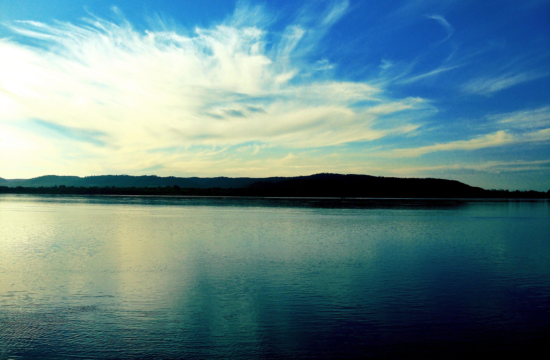 Unduh 560 Koleksi Background Pemandangan Biru HD Terbaru