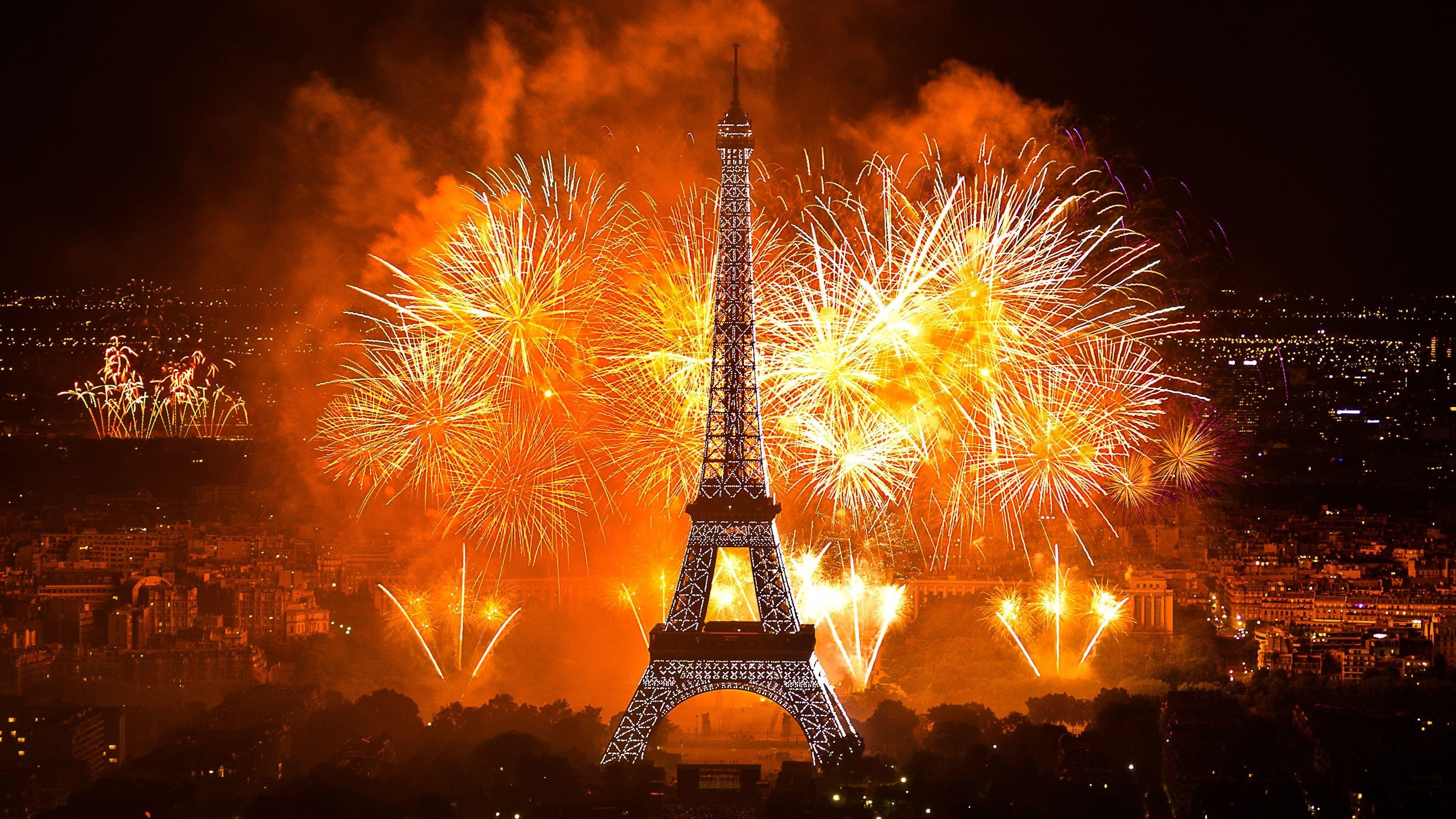 3129x1760 px city eiffel fireworks france new year paris tower