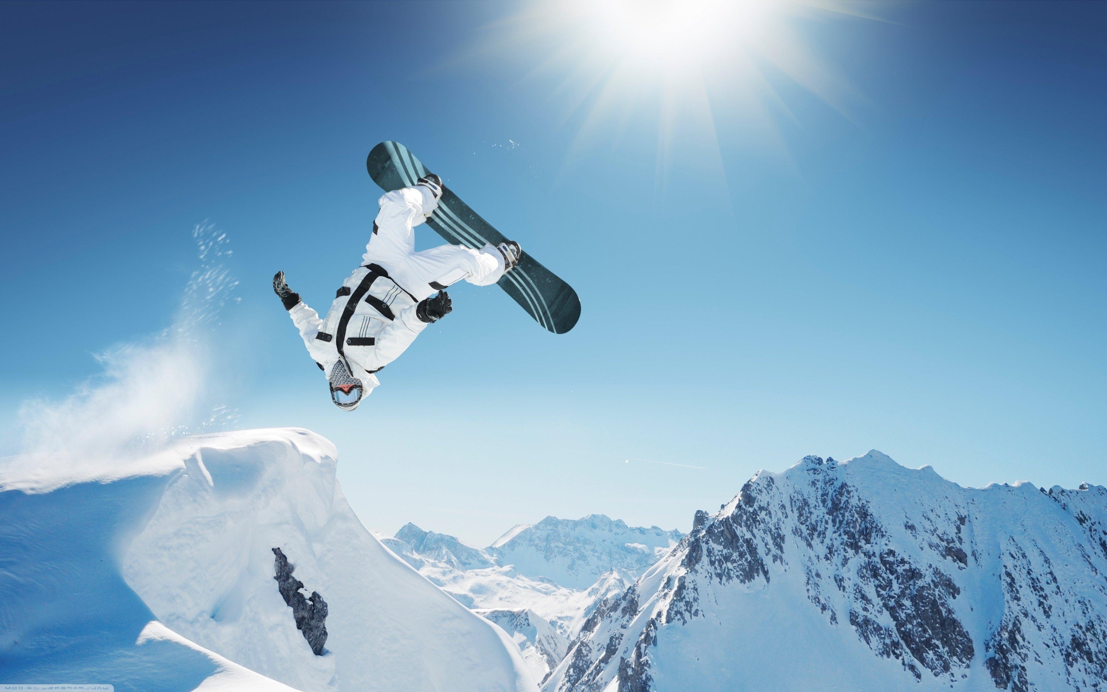 Wallpaper 3840x2400 Px Extreme Jump Mountain