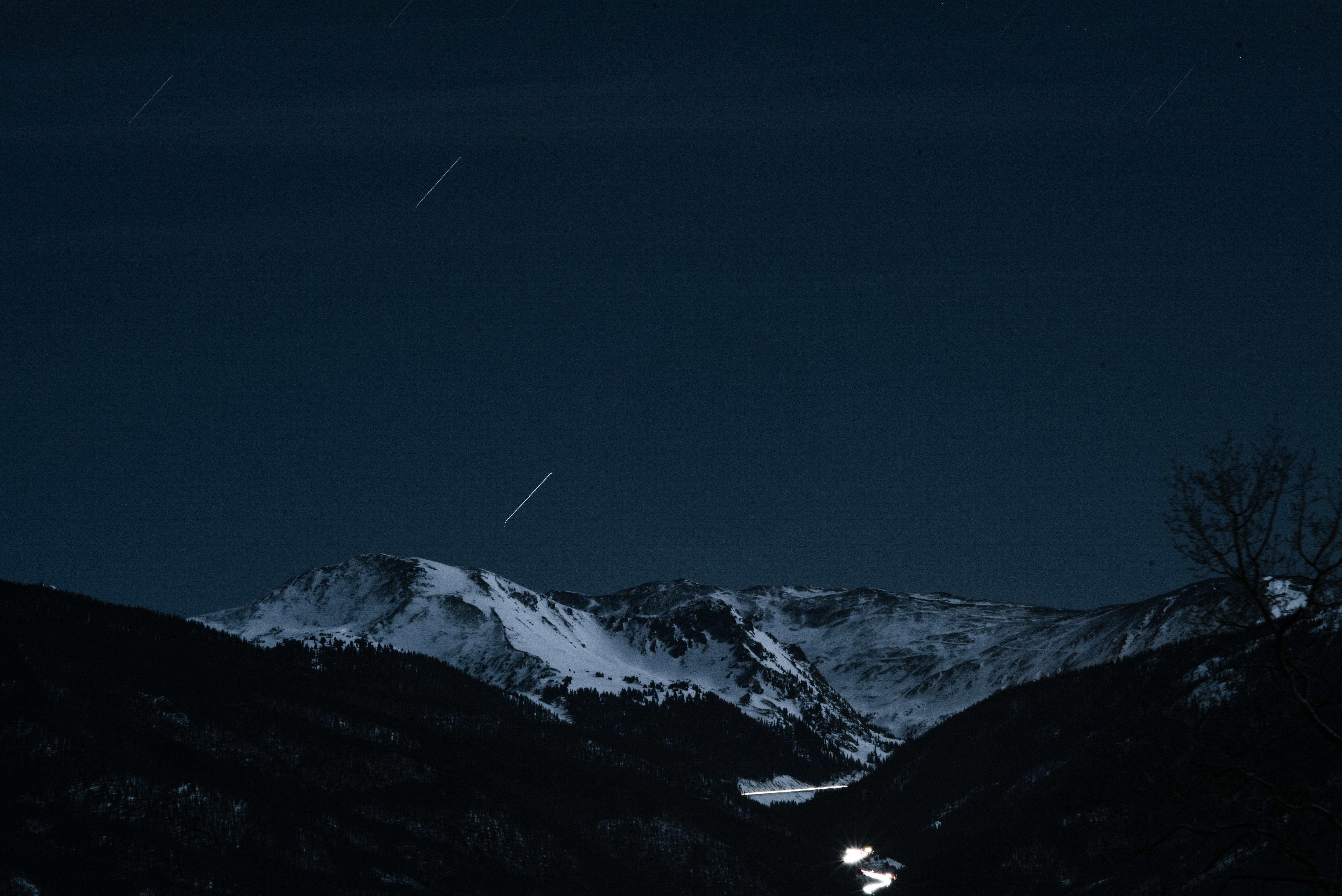 Descargar 2560x1440 Cielo Claro Sobre Las Montañas Nevadas: Fondos De Pantalla : 5000x3338 Px, Oscuro, Paisaje, Larga