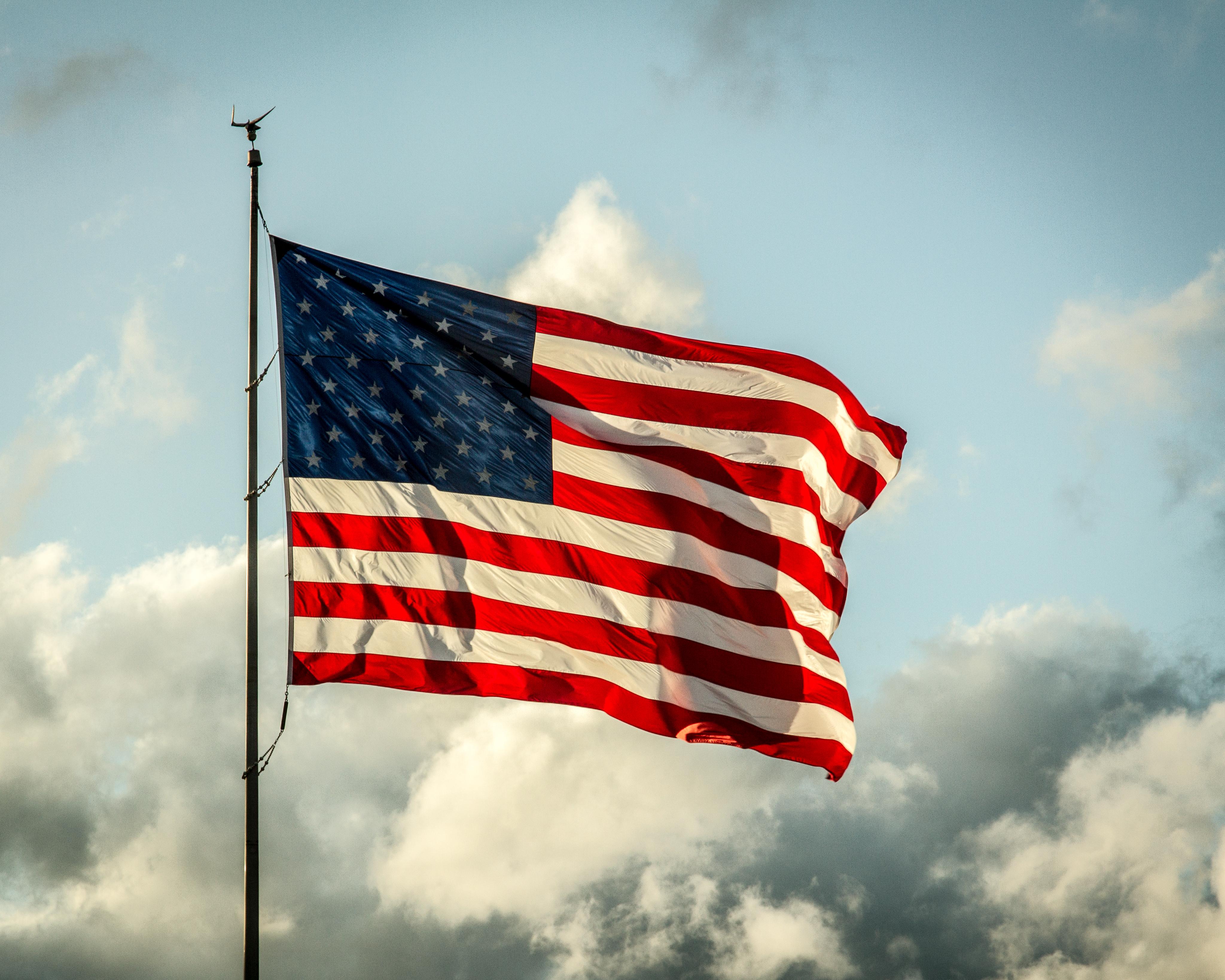 американский флаг фотографии актуальны они ежегодно