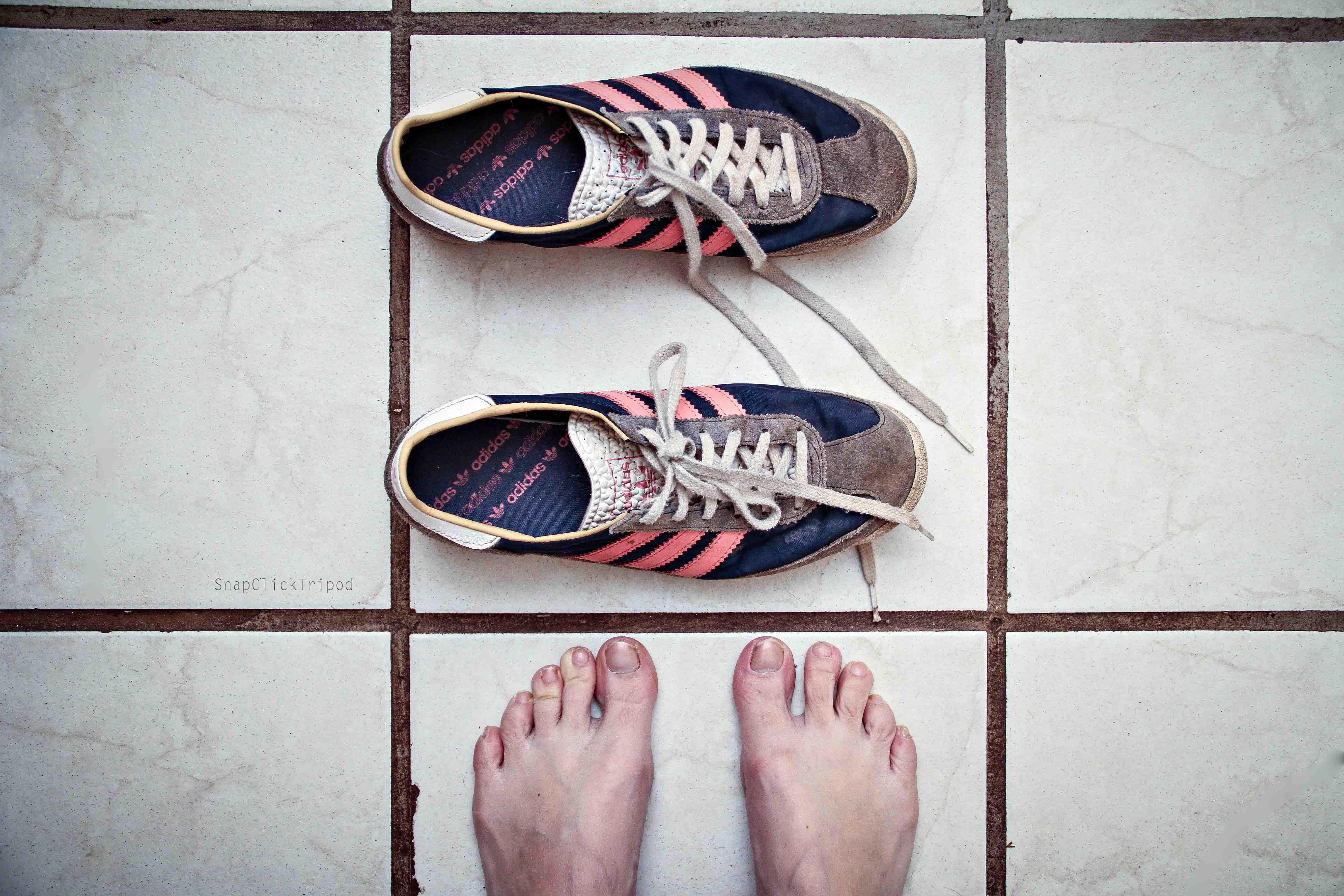 Fond d'écran : Adidas, pieds, baskets, marque, les orteils