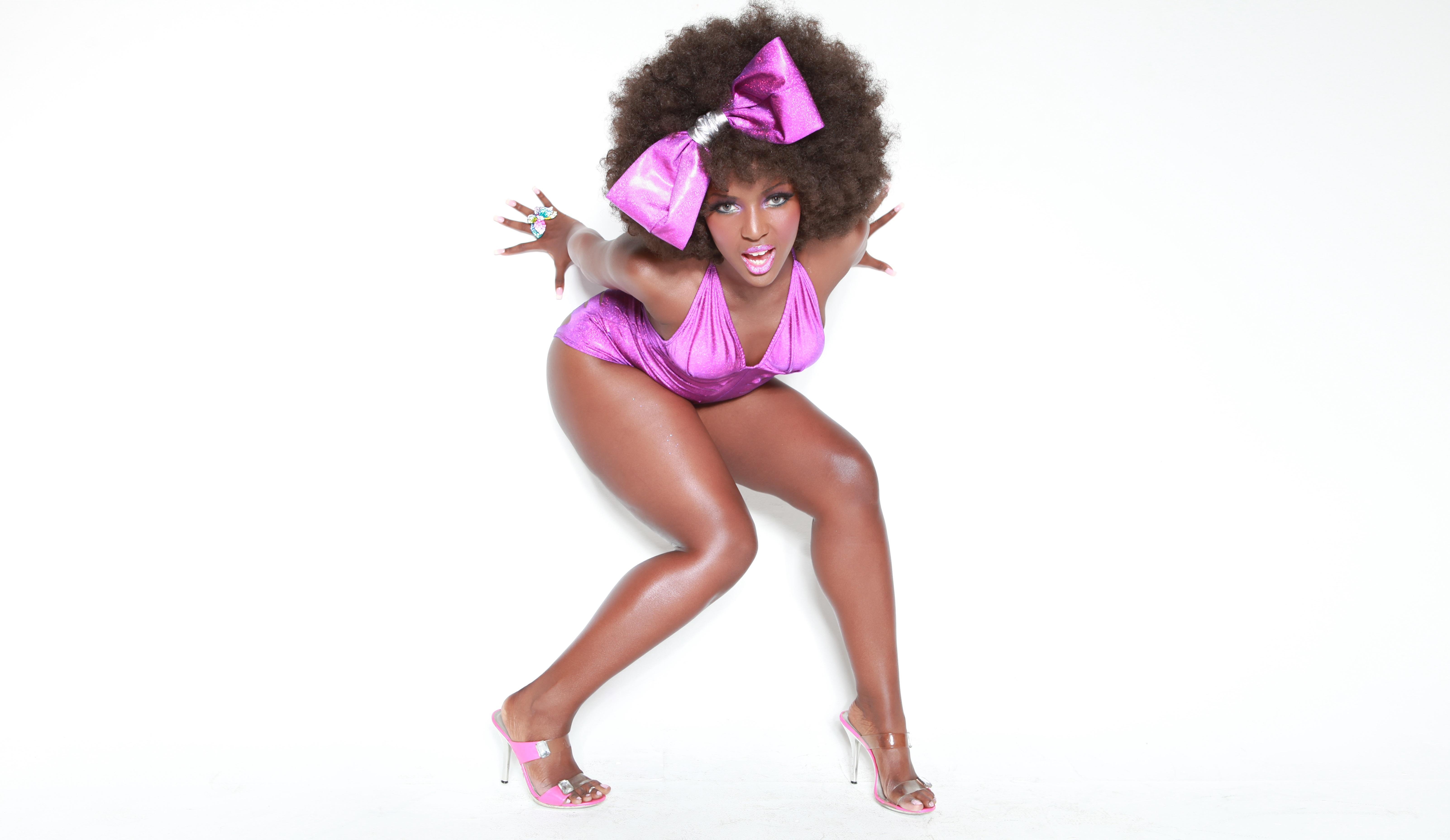 Танец жопой негритянка, порно траха для мобилы
