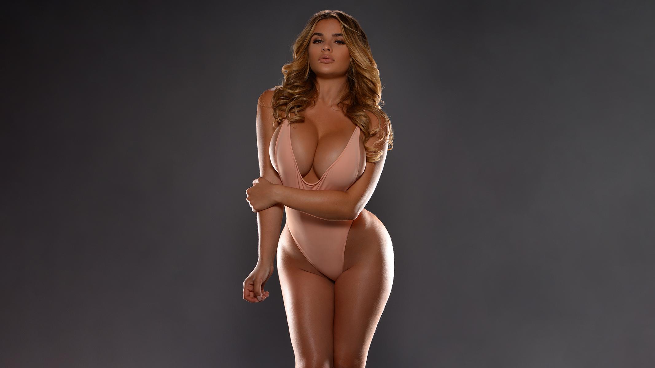 Wallpaper Anastasiya Kvitko Women Model Bodysuit Cleavage