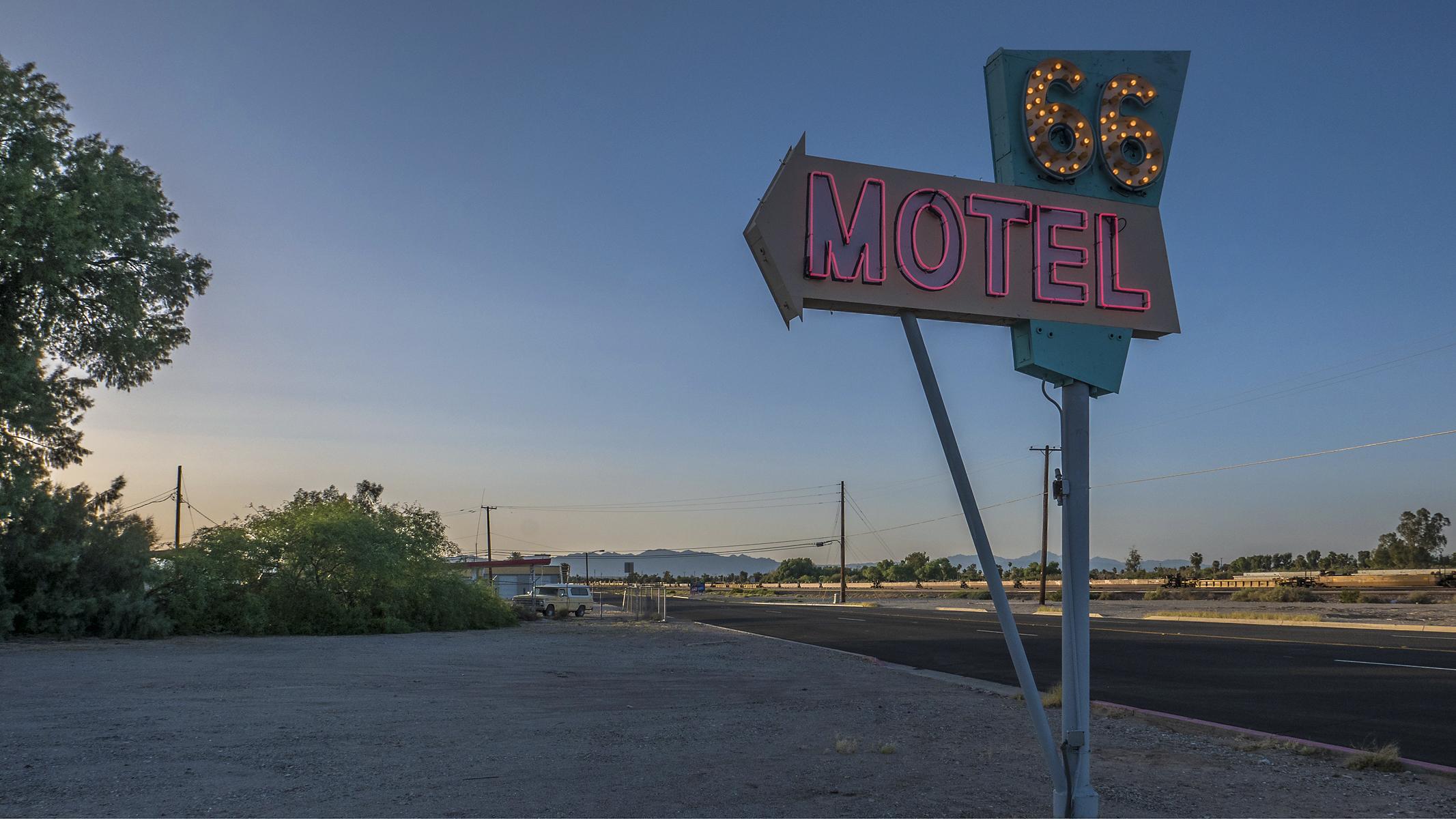 Arizona sign vintage route66 motel needles