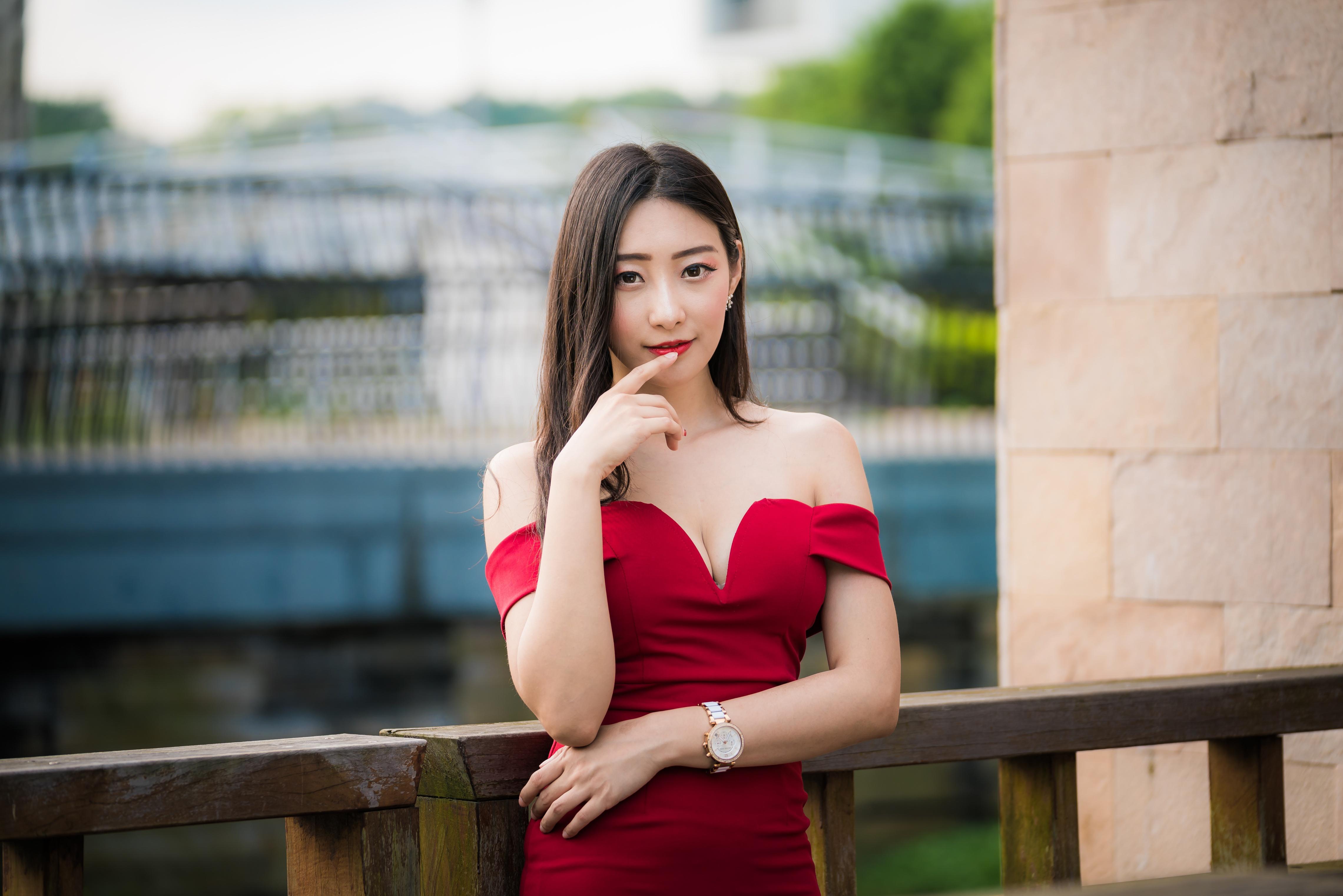 Wallpaper : Asian, model, brunette, sitting, fountain