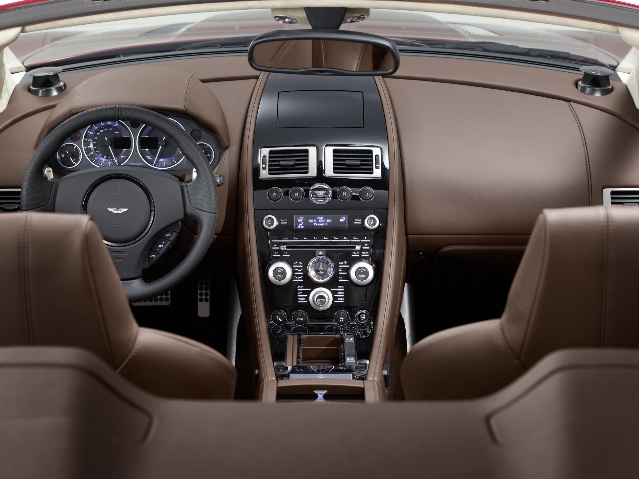 Fond d\'écran : Aston Martin, DBS, 2009, marron, salon, intérieur ...