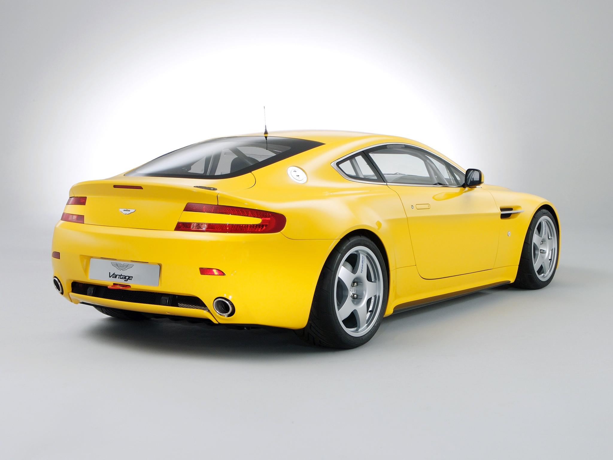 Wallpaper Aston Martin V8 Vantage 2007 Yellow Rear View Style 2048x1536 Goodfon 1078390 Hd Wallpapers Wallhere