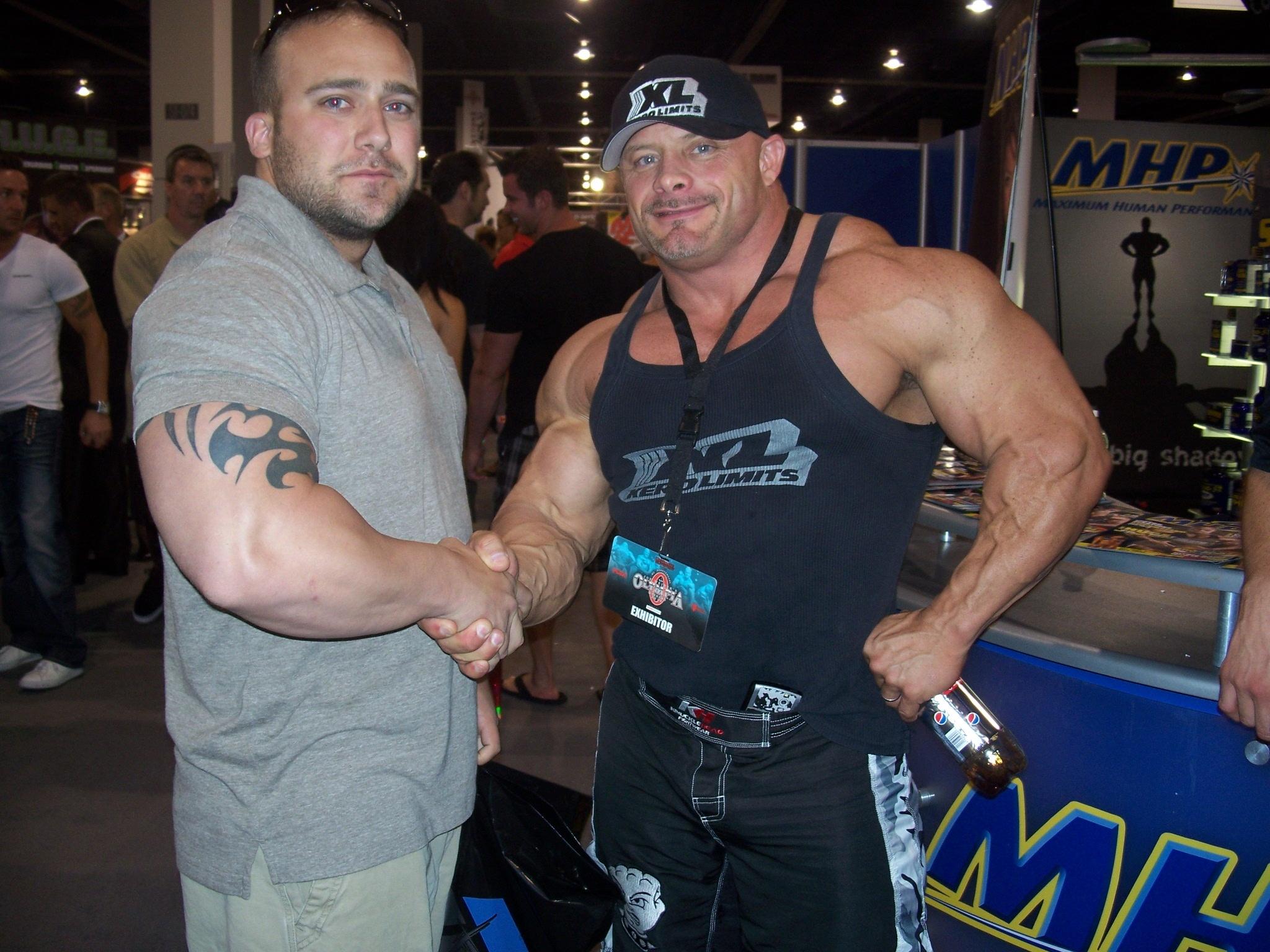 Hintergrundbilder : Bodybuilder, Bodybuilding, Struktur, Fallen ...