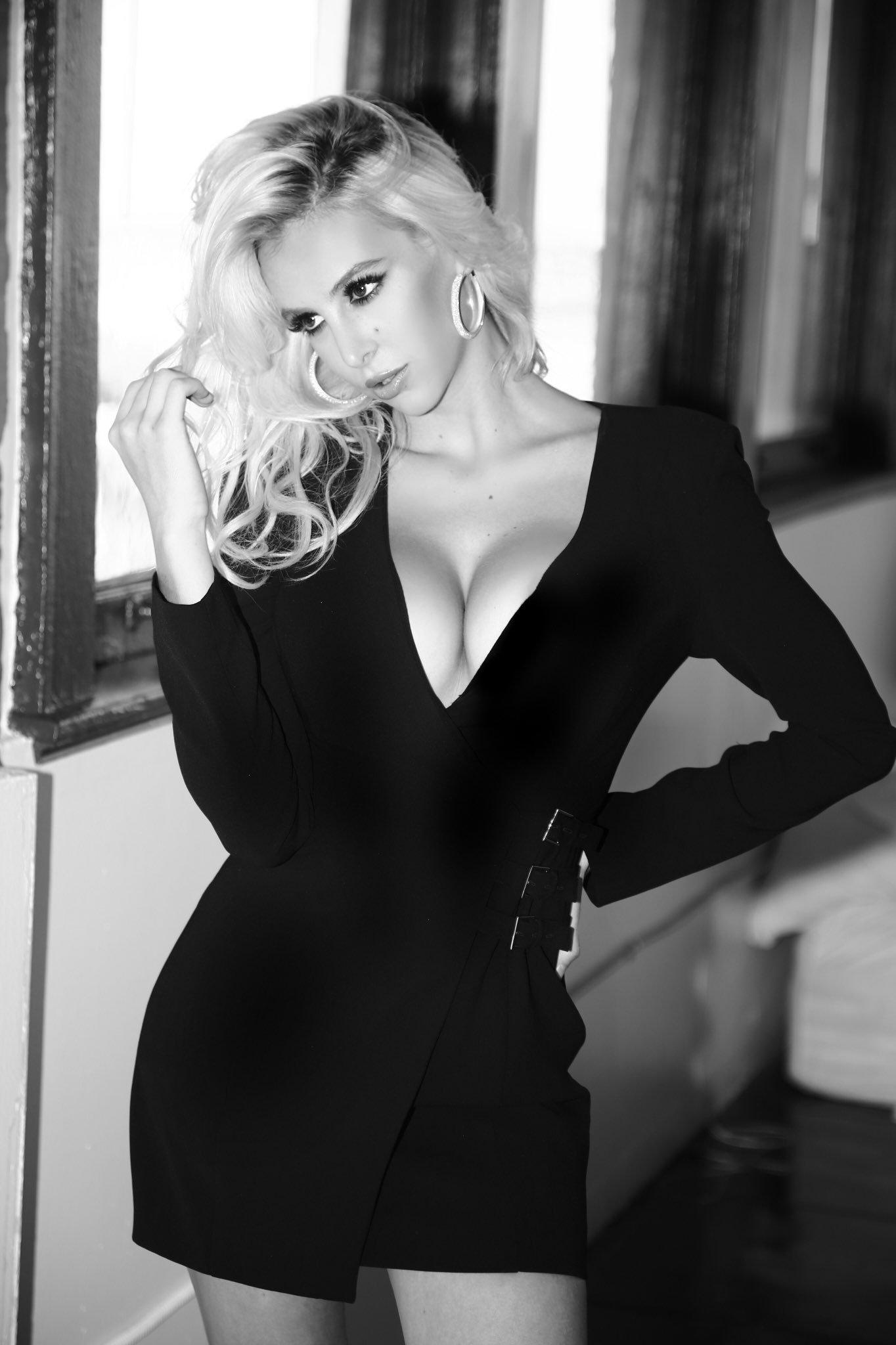 Cleavage Bri Teresi nude (82 photo), Tits, Bikini, Twitter, lingerie 2015