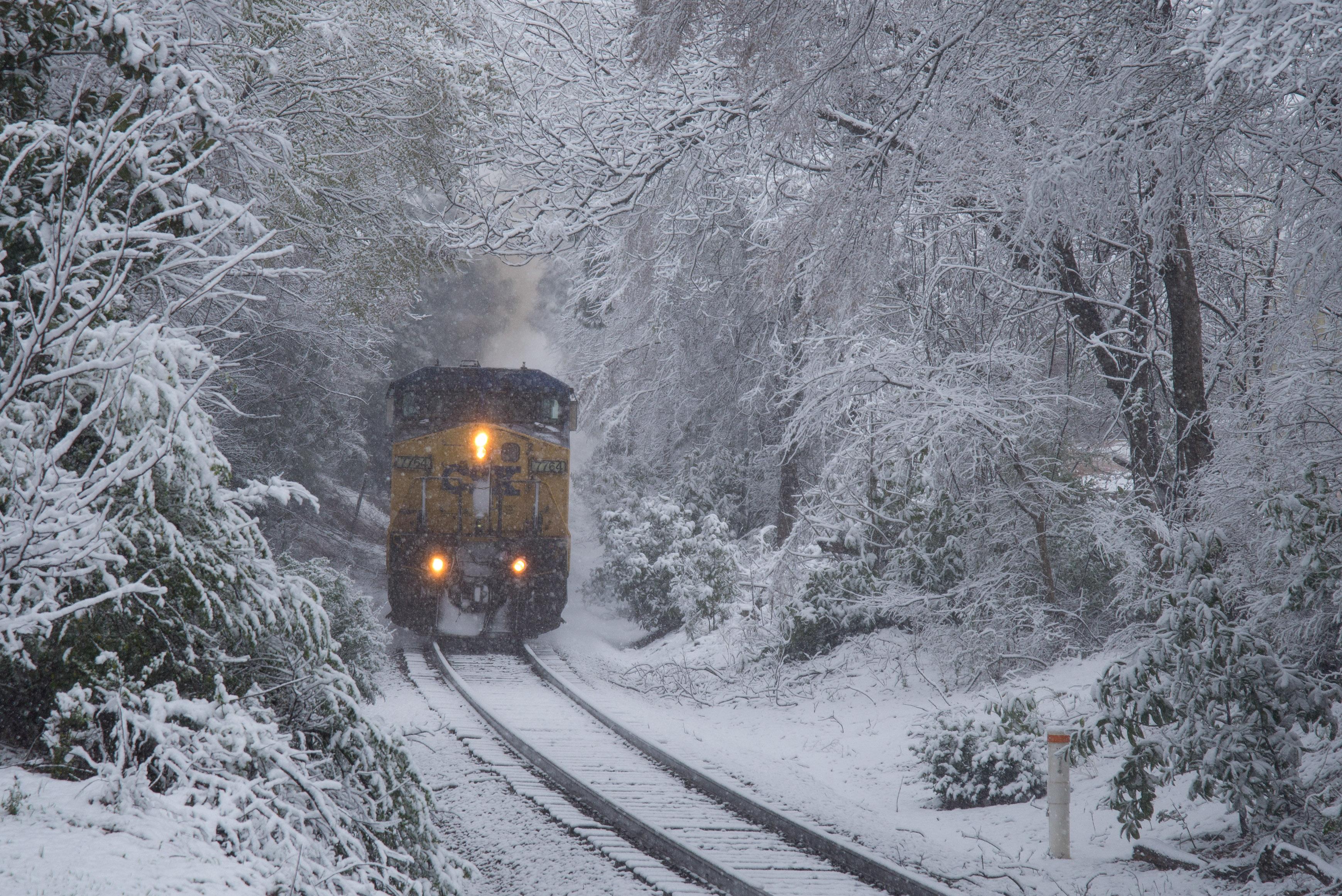 Wallpaper : CSX, csxt, freight, train, railroad, snow