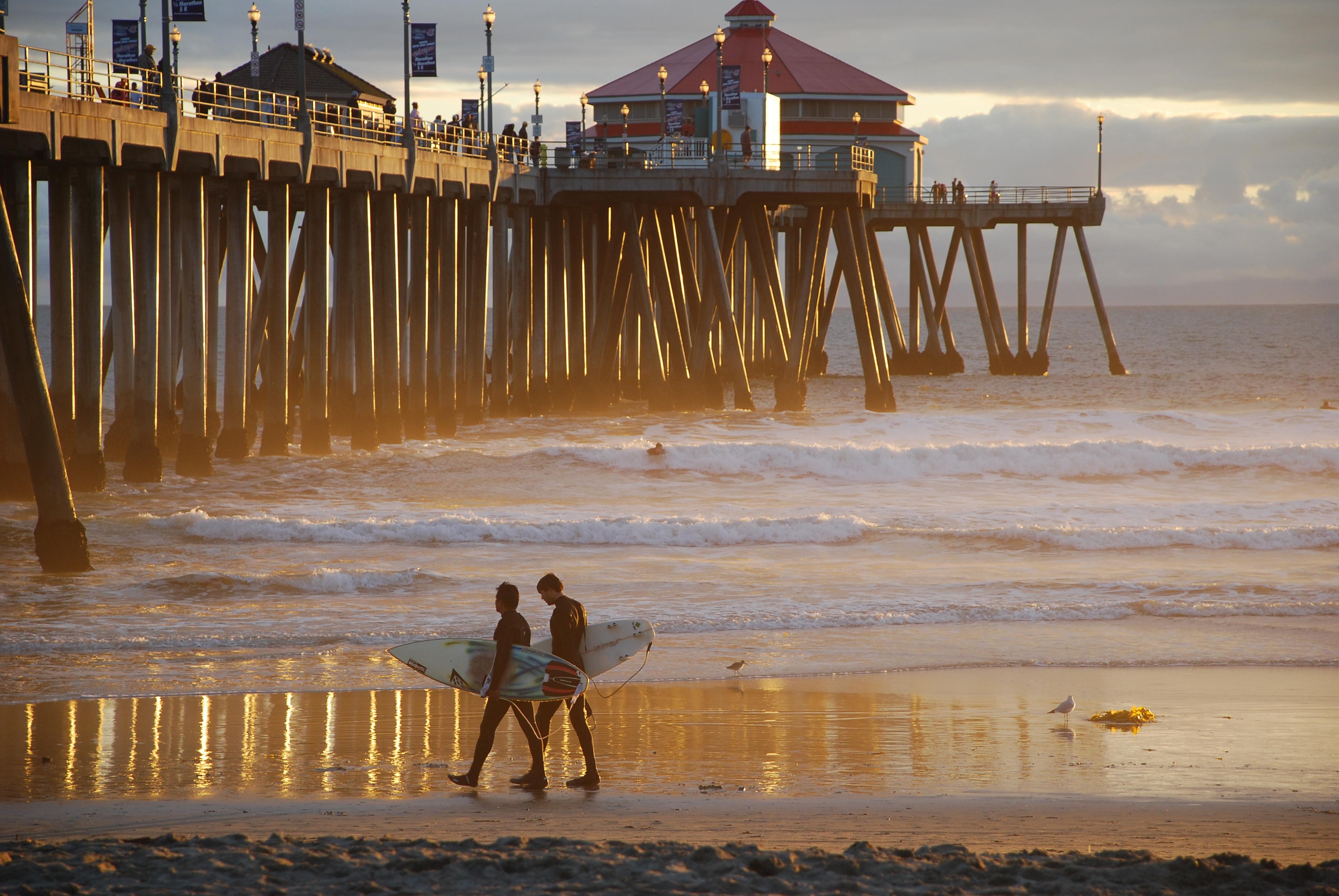 California Sunset Reflection Beach Water Pier Sand Waves Surfing Surfers Oc Huntingtonbeach Hb Feelsgood Thisfeelsgood