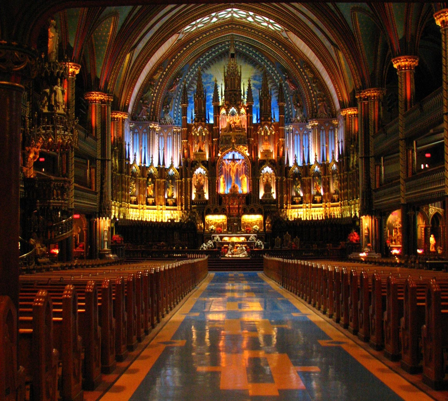 парочка католический собор фото внутри дрозд ведет