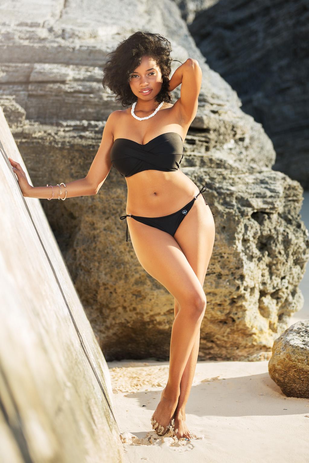 Ebenholz Bikini-Fotos