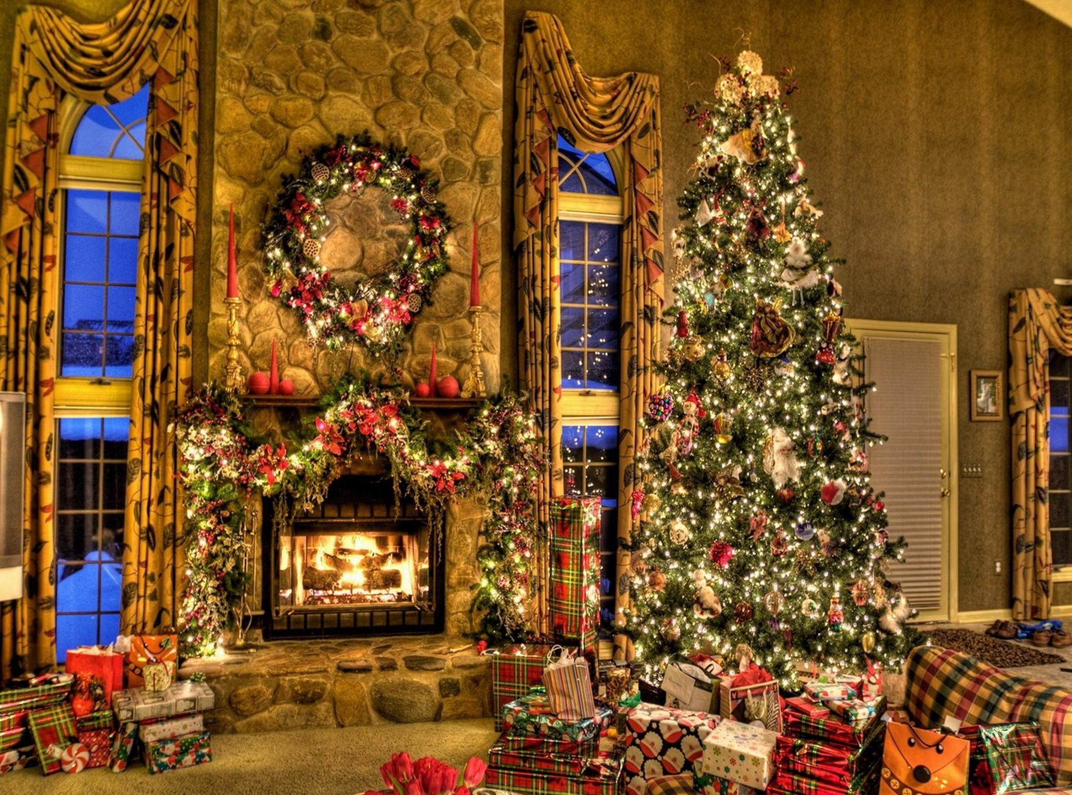Weihnachtsbeleuchtung Kranz.Hintergrundbilder Weihnachtsbaum Weihnachten Geschenke Kamin