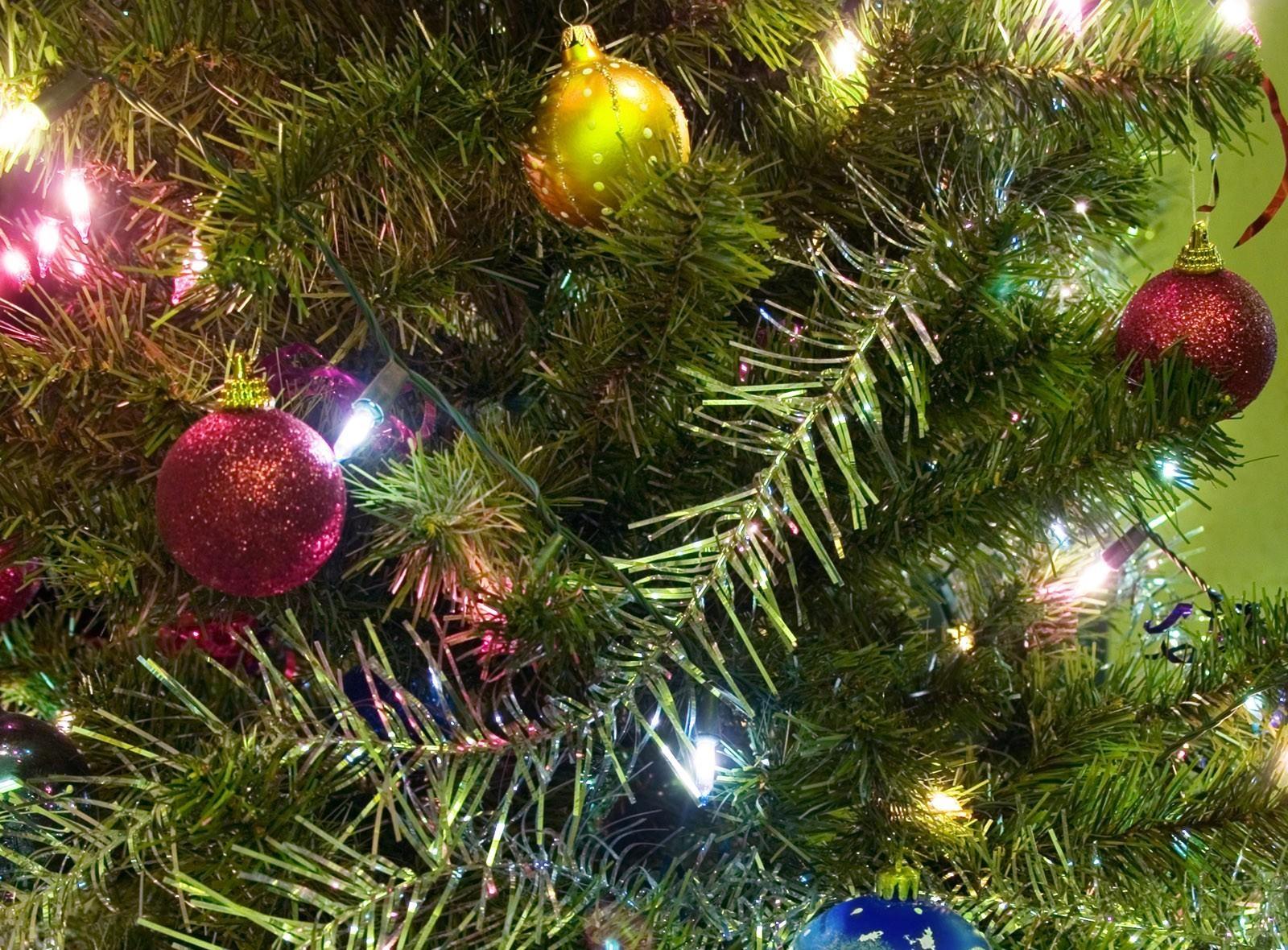 красивые картинки новогодние елки и игрушки годы крымской