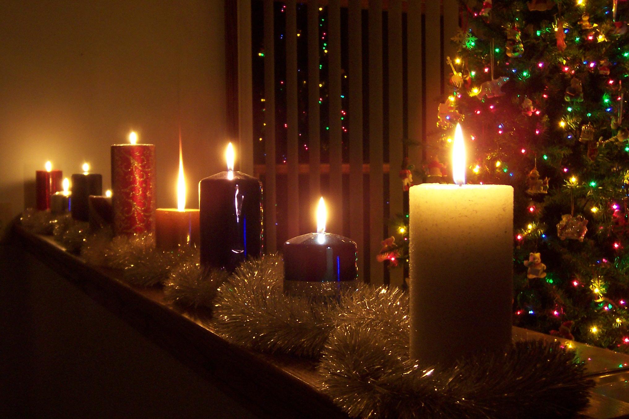 нововведений фото елка новогодняя со свечами выглядят настолько реалистично