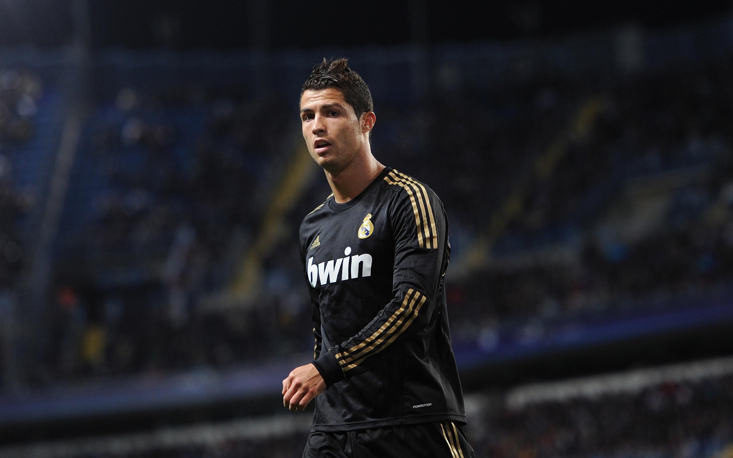 Wallpaper Cristiano Ronaldo Soccer 2560x1600