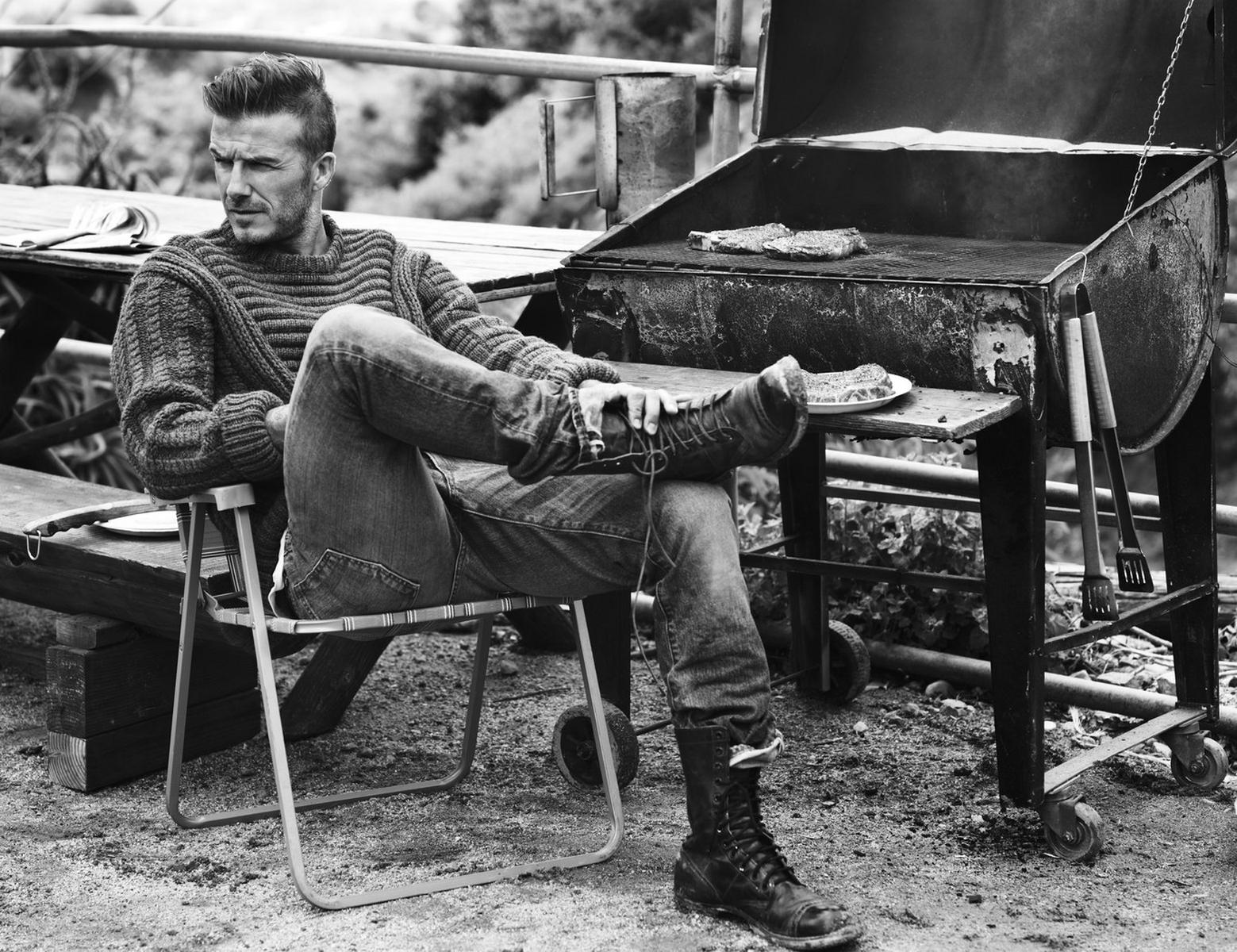 3a89eca90b556f David Beckham jogador de futebol modelo homens jeans Olhando para a  distância monocromático celebridade