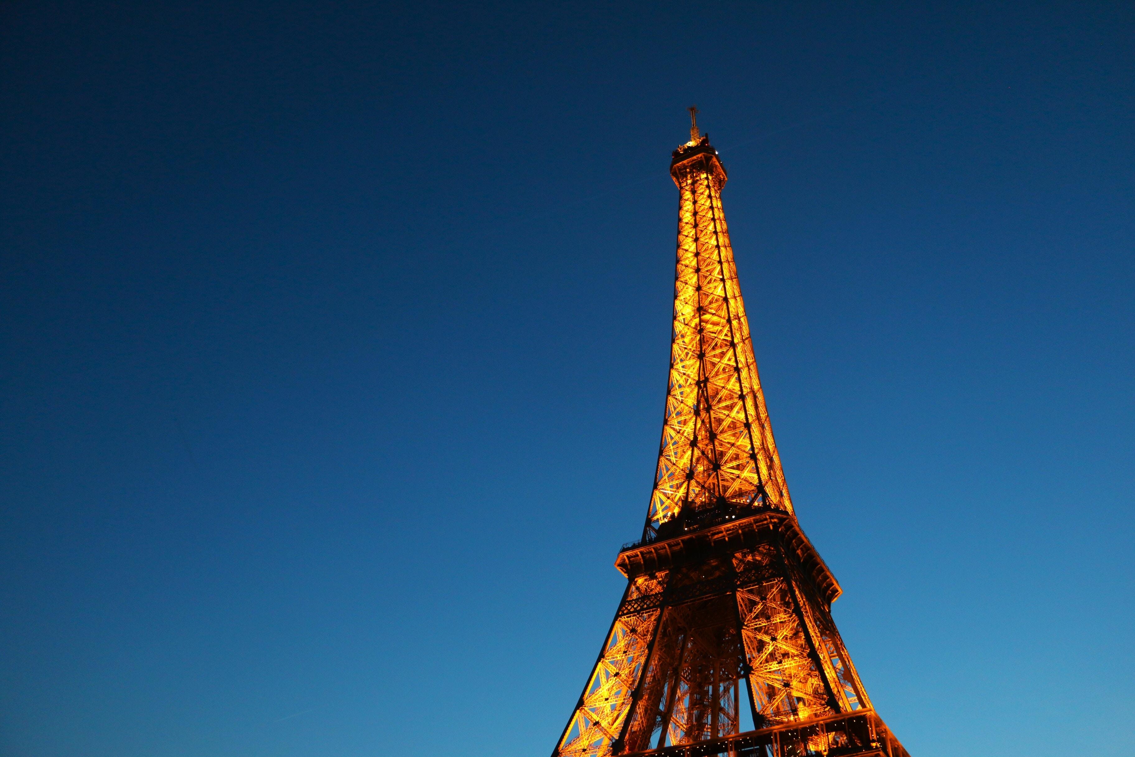 Телефонная башня картинка
