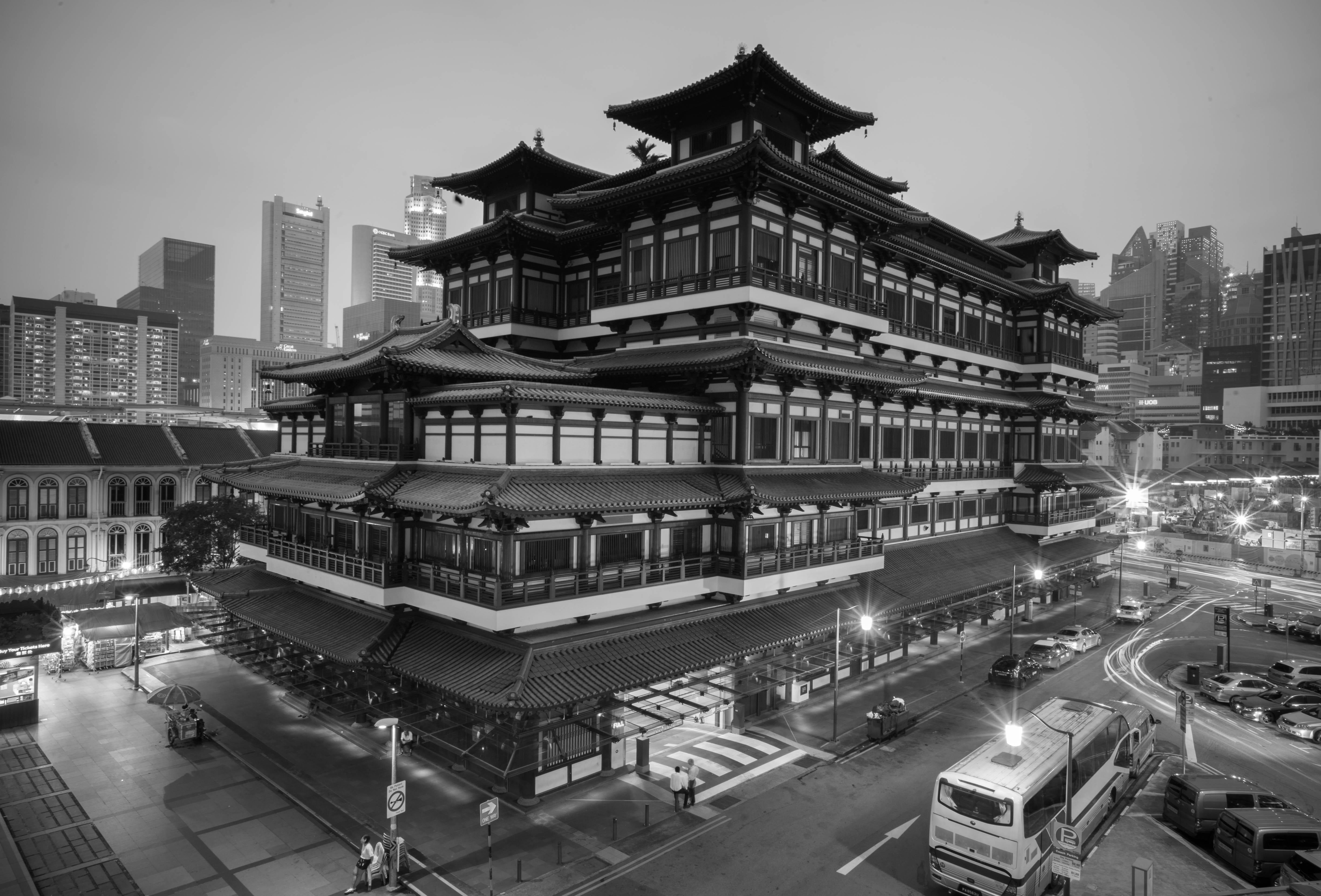 Frank gronau sony alpha7 singapur singapore schwarz weis black white china buddha tempel relic langzeit belichtung