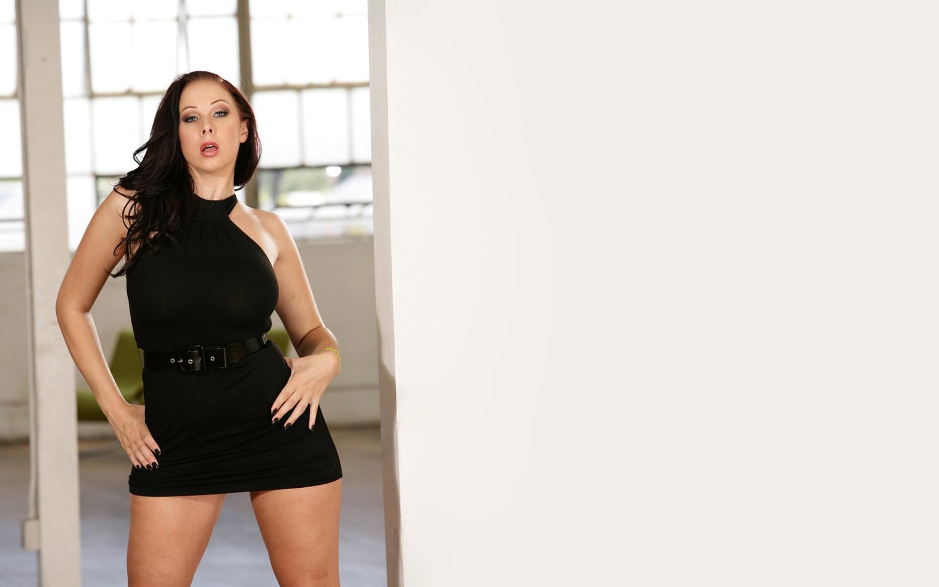 Платья на порнозвездах