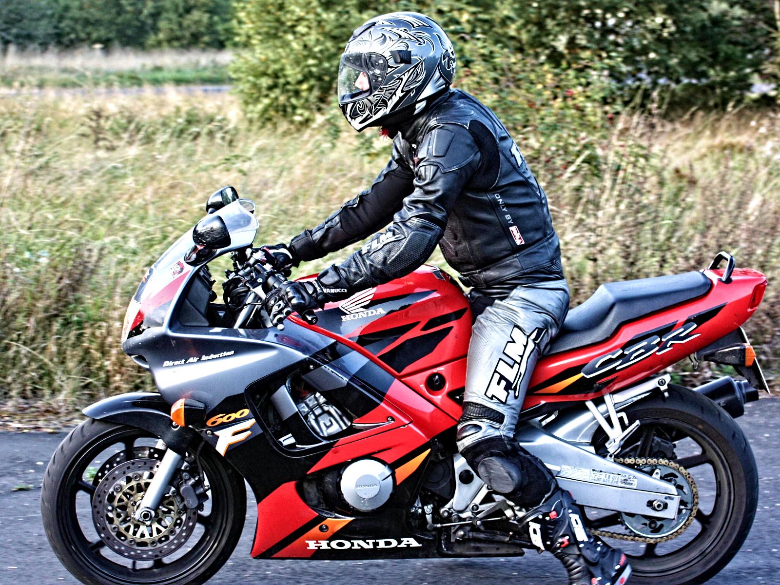 Картинки мотоциклов и водителей