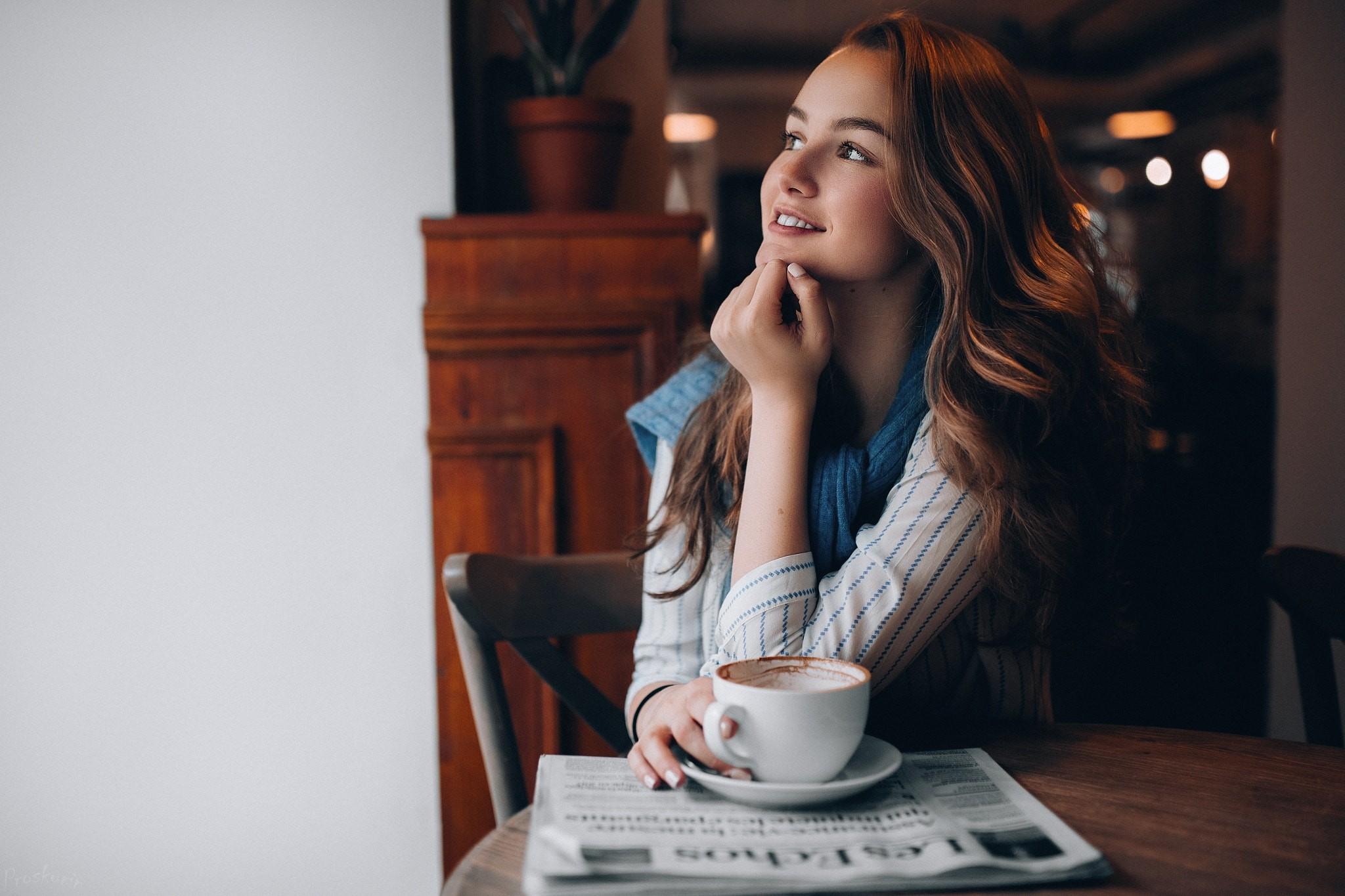 болты могут фото в кафе за столиком без лица словам девушки