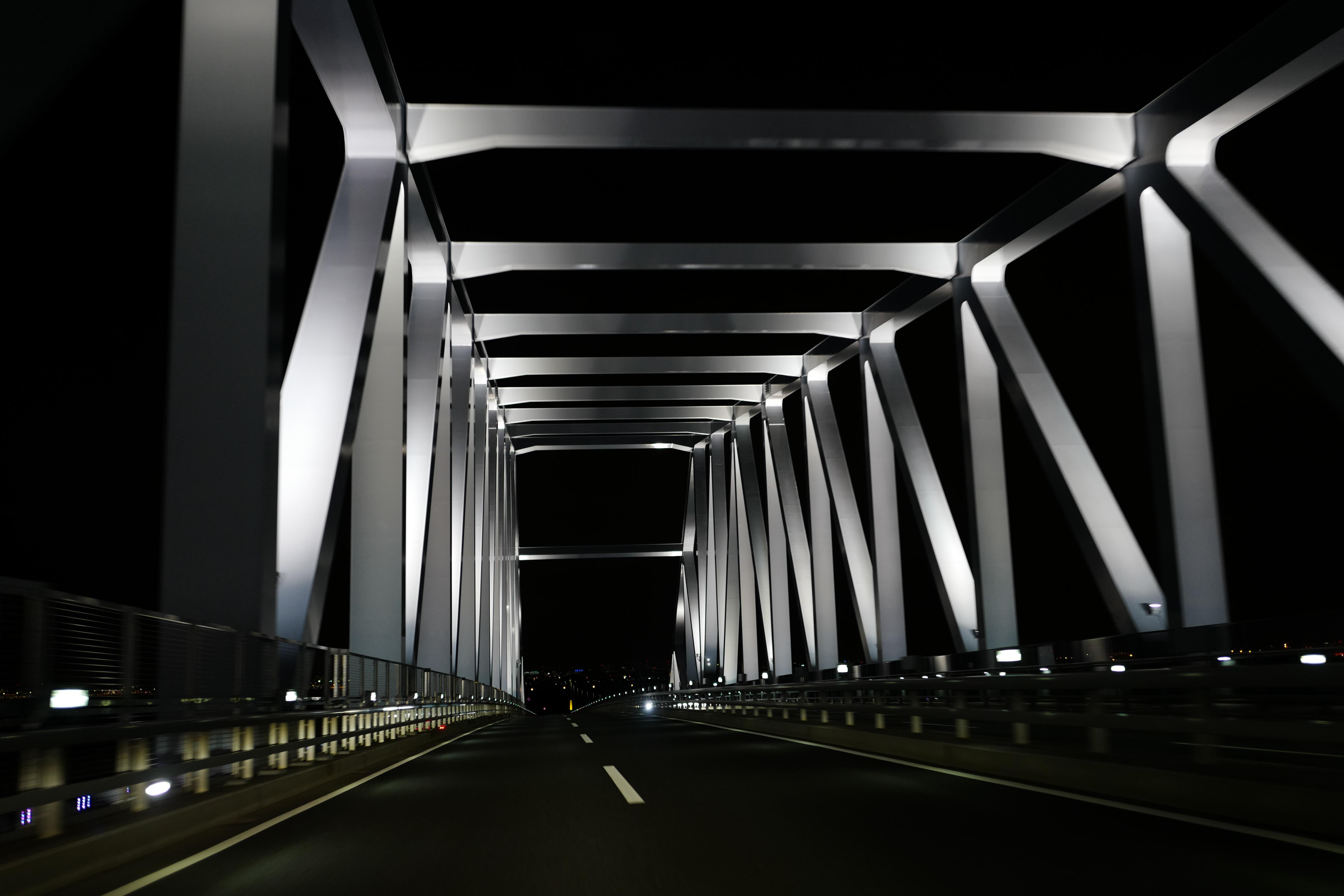 ... illumination, lighting, line, darkness, landmark, tokyogatebridge,  summilux, leicaq, summilux1728, q, 1728, black and white, monochrome  photography, ...