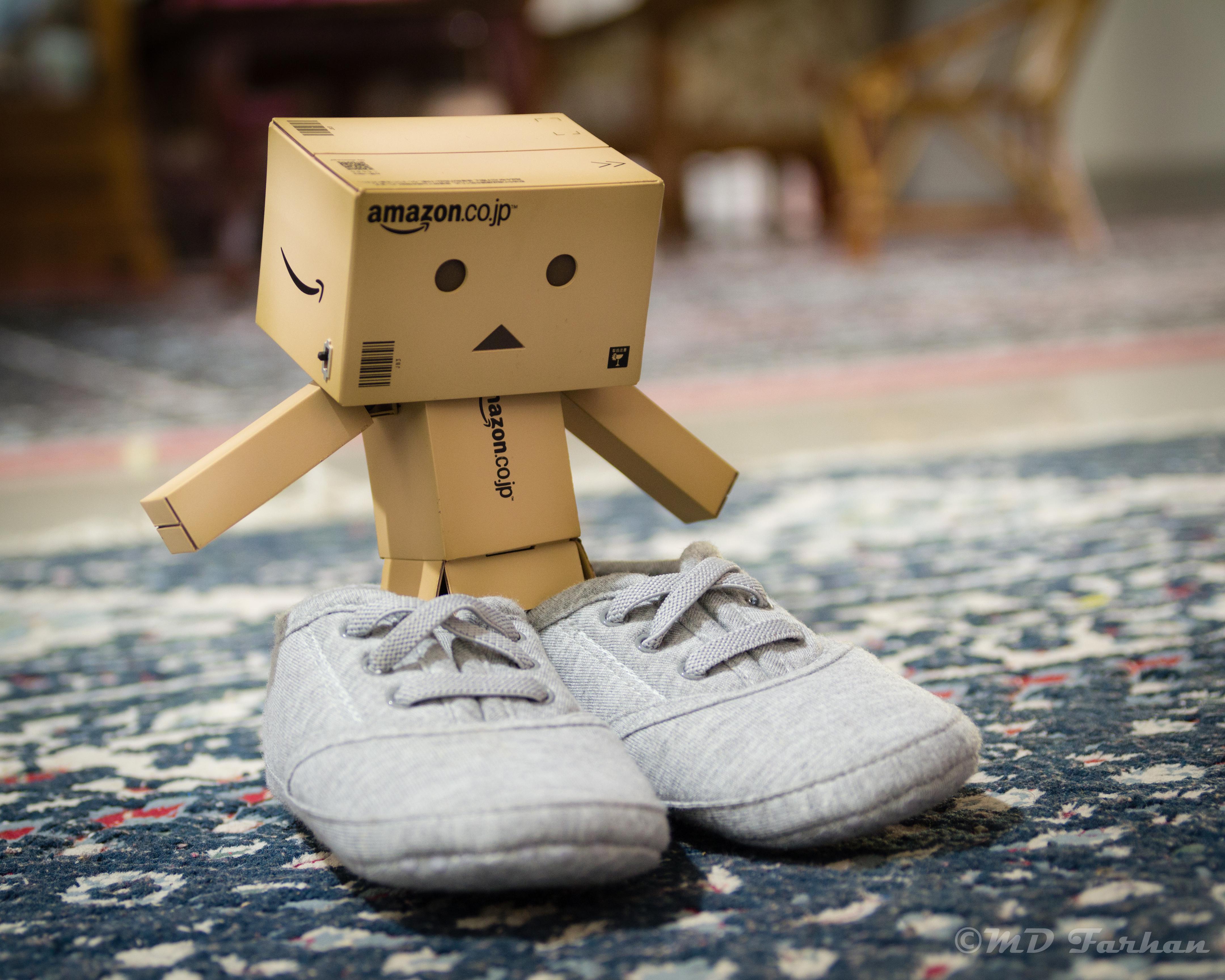 Wallpaper : Japan, shoes, bokeh, Toy, Danbo, kid, shoe