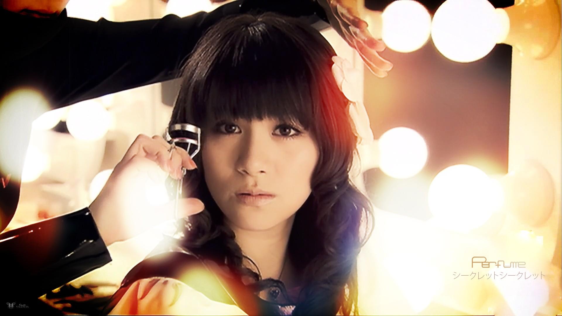Wallpaper : Japan, women, anime, brunette, looking at viewer, Asian ...
