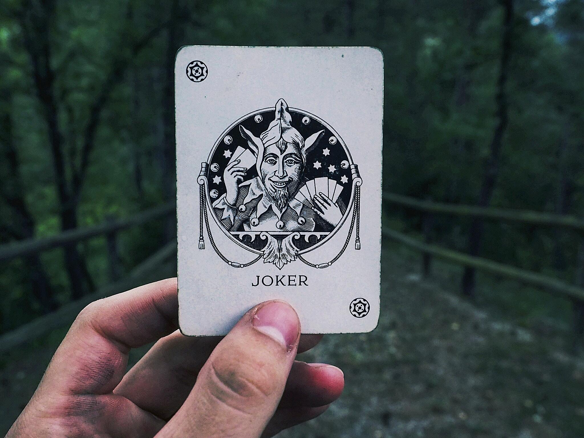 Wallpaper Joker Card Hand 2048x1536 Wallpaperup