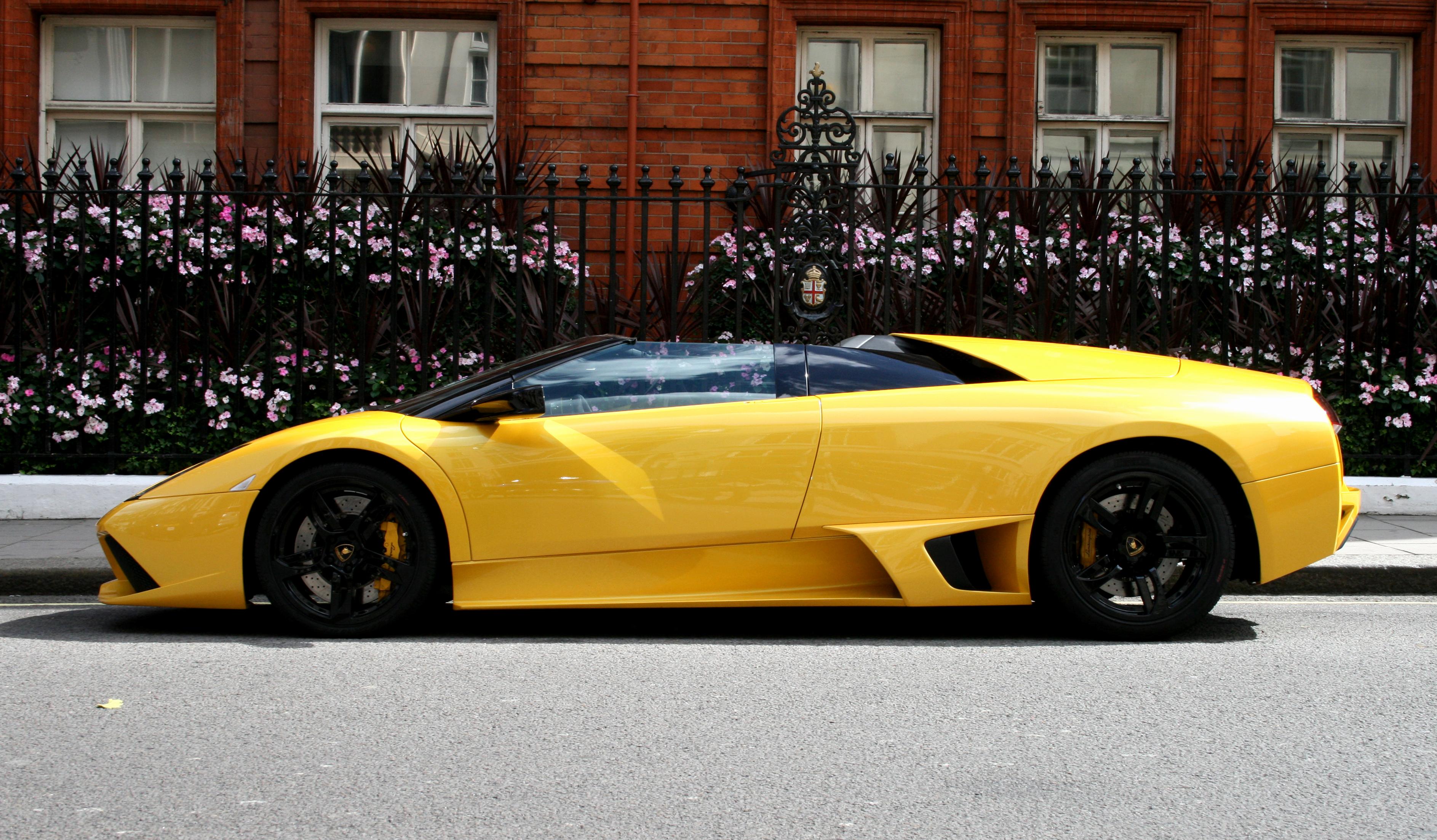 Wallpaper London Yellow Lamborghini Aventador Lamborghini