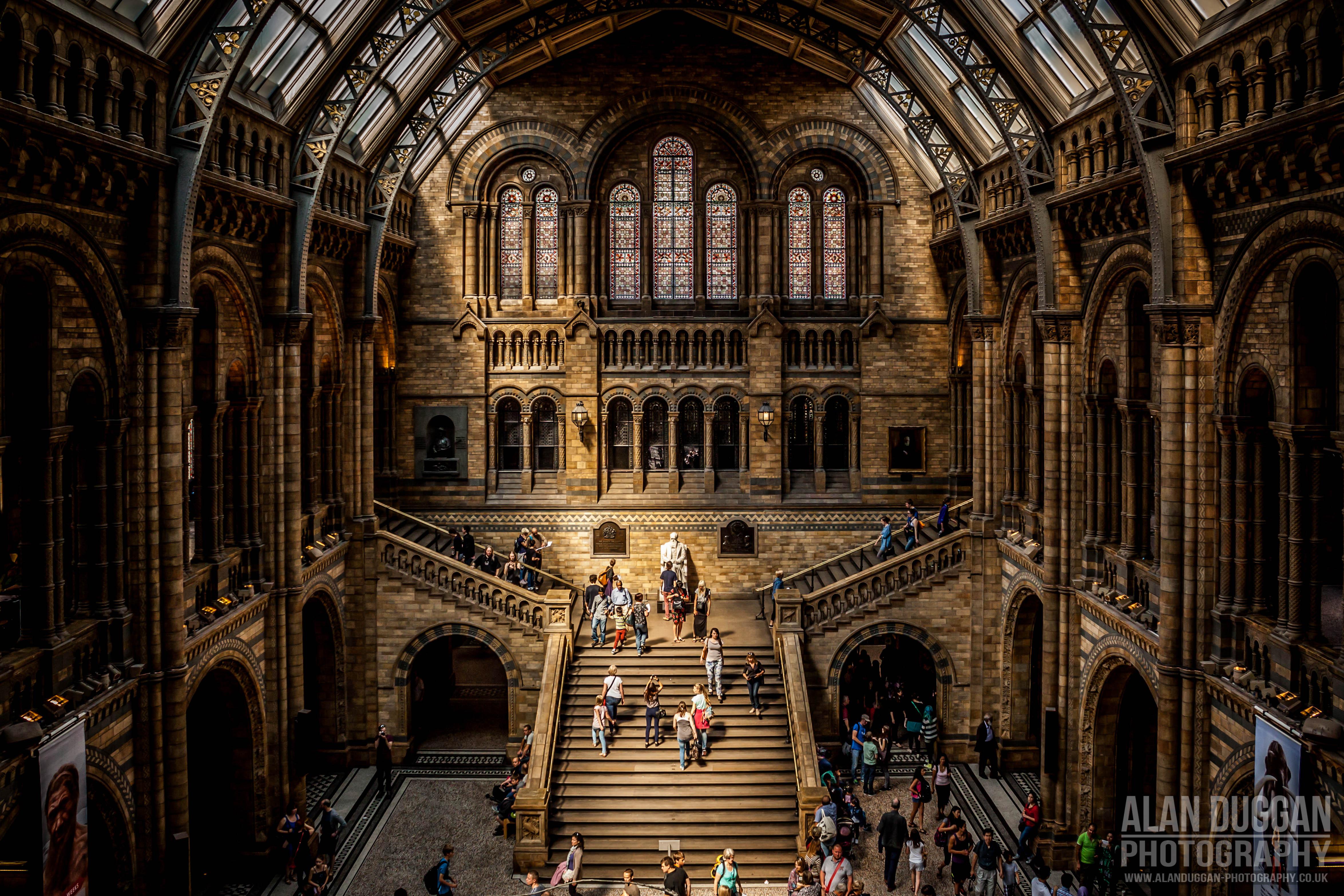 ruining historical landmark stairs - HD1600×1066