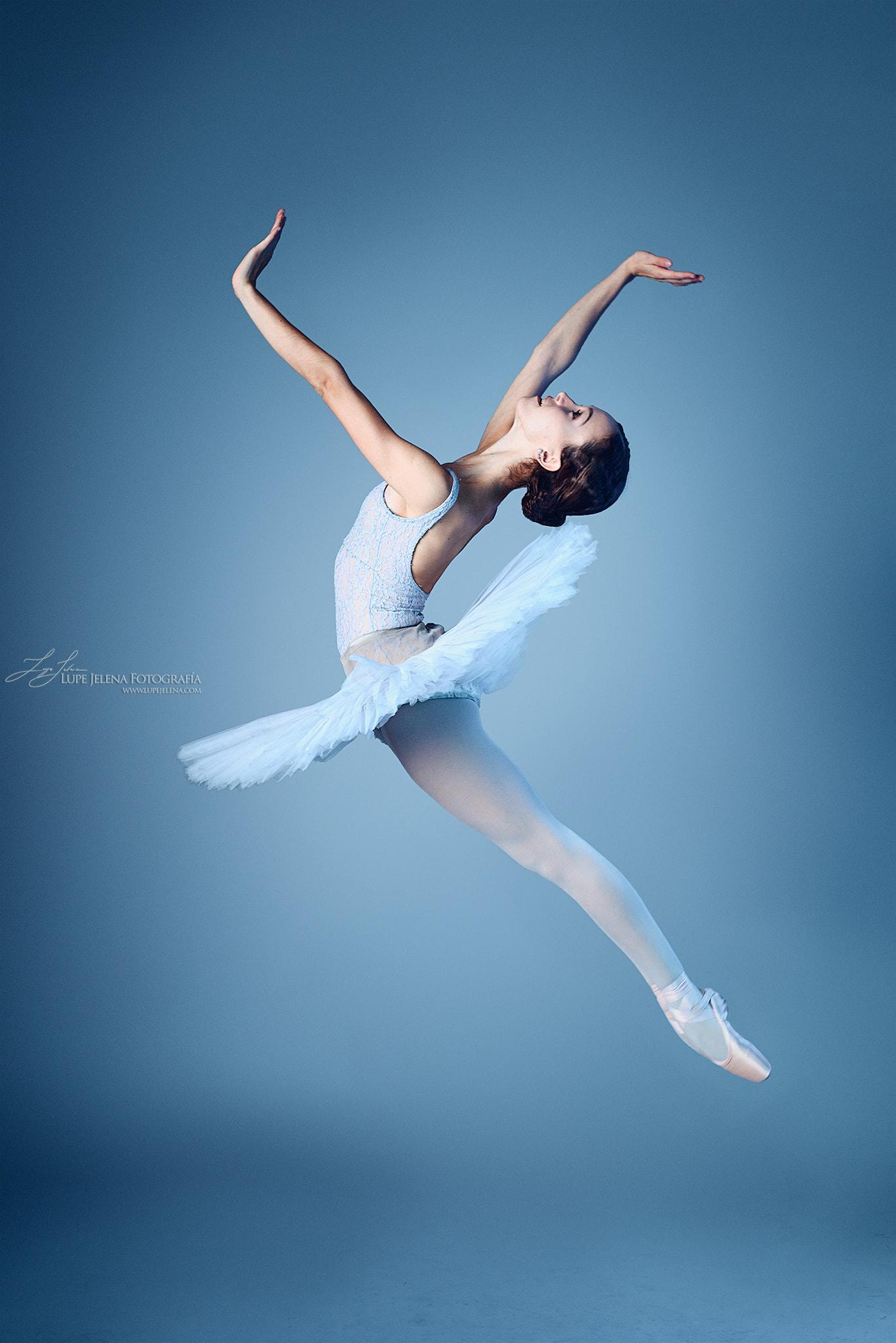 Wallpaper Lupe Jelena 500px Women Model Jumping Ballerina Blue Dancer 1367x2048 Wallpapermaniac 1175547 Hd Wallpapers Wallhere